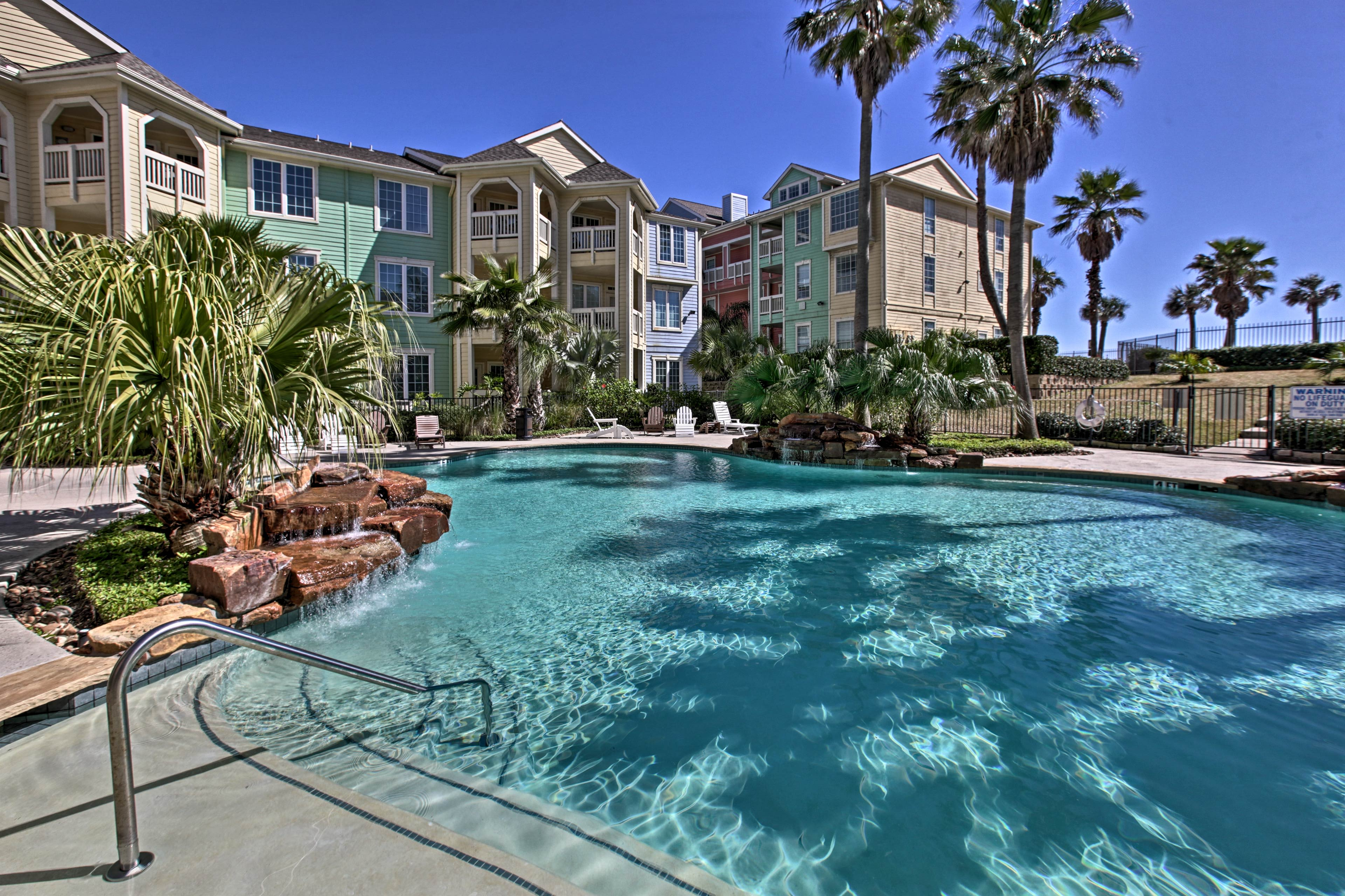 When you stay at Dawn Beach Condos, enjoy an array of luxury amenities.