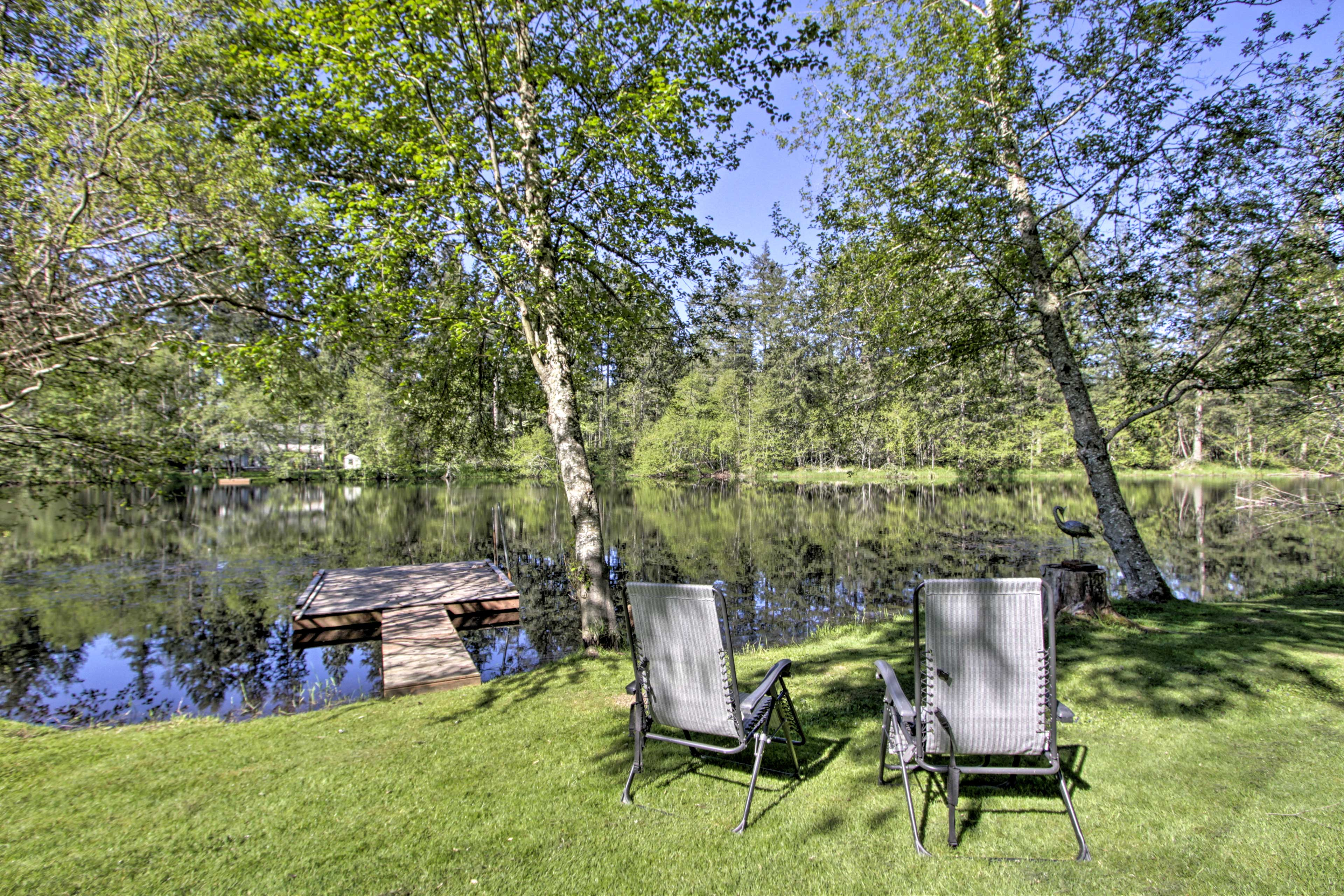 Retreat to this lakeside vacation rental, nestled 25 minutes outside Olympia!