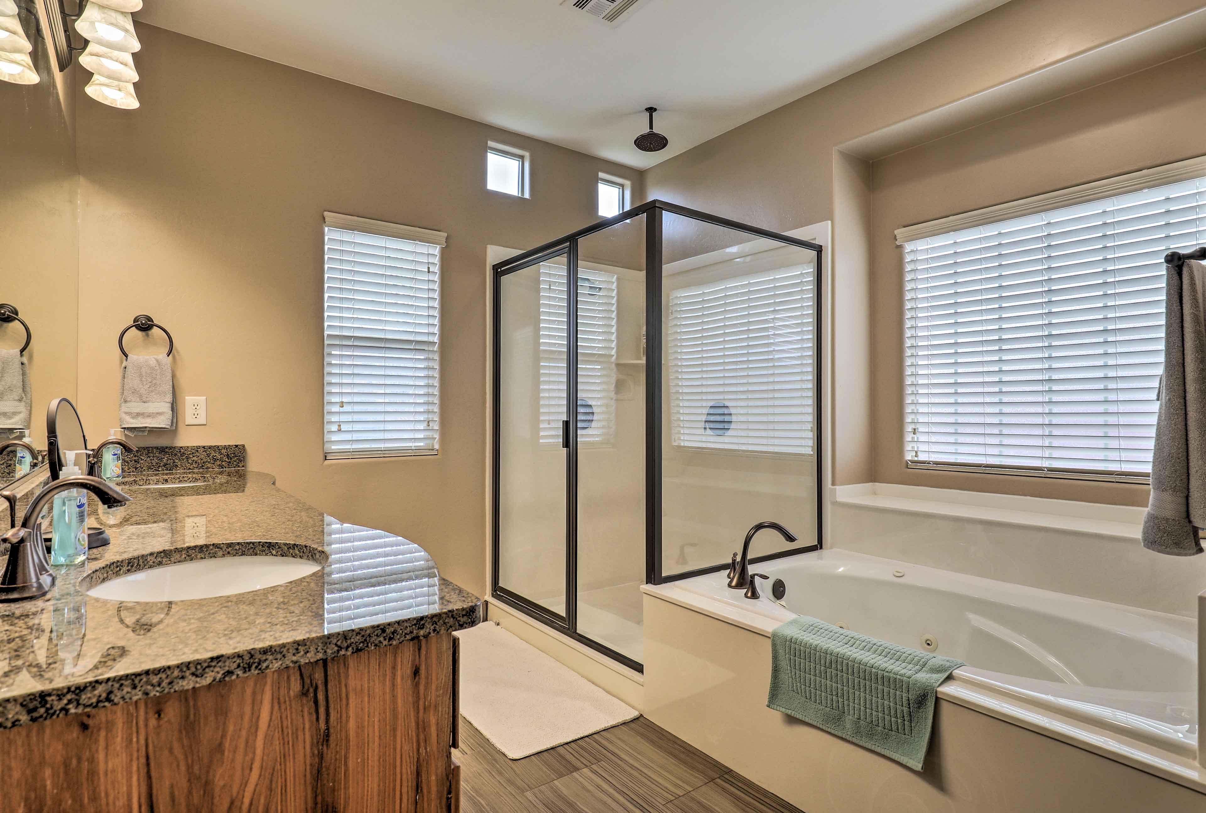 Enjoy the added luxury of this full en-suite bathroom.