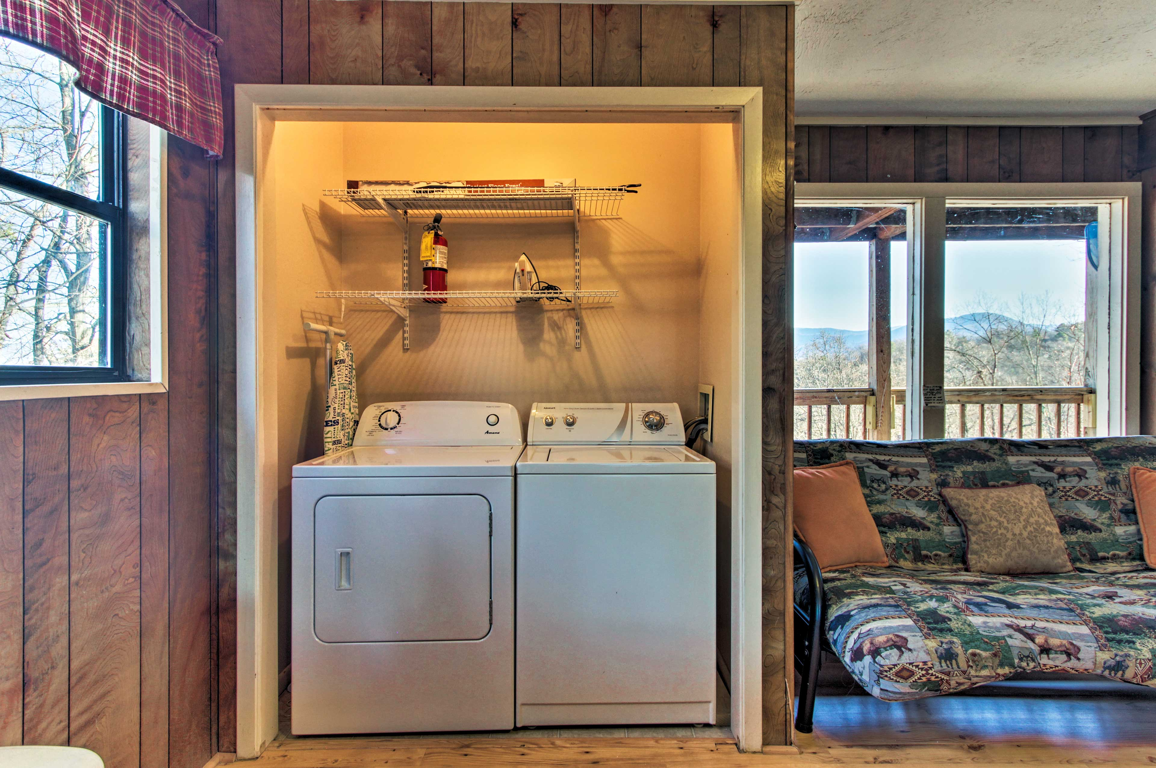 Keep your hiking gear fresh with in-unit laundry machines.