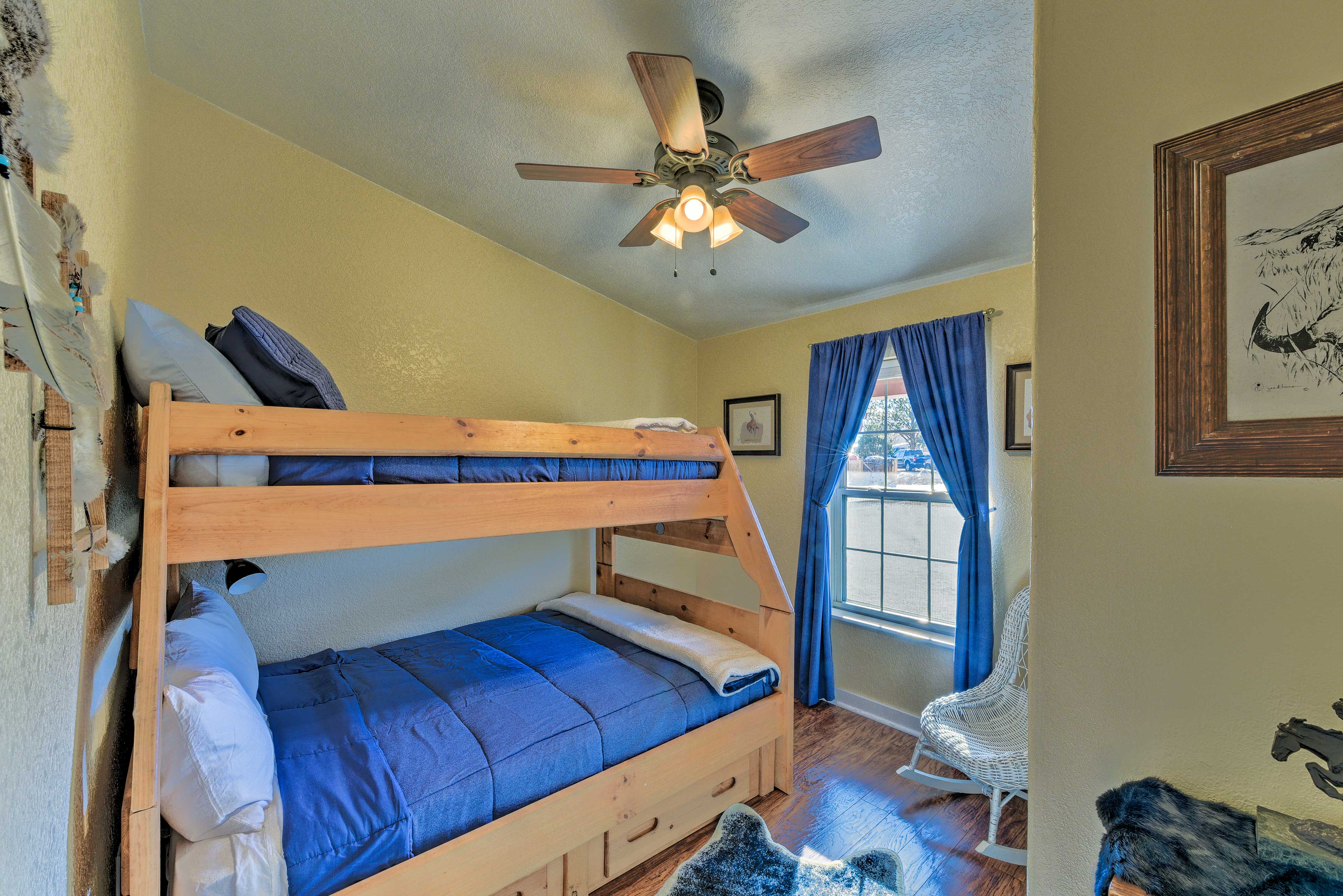 Up to 3 guests can become roomies in this lovely third bedroom.