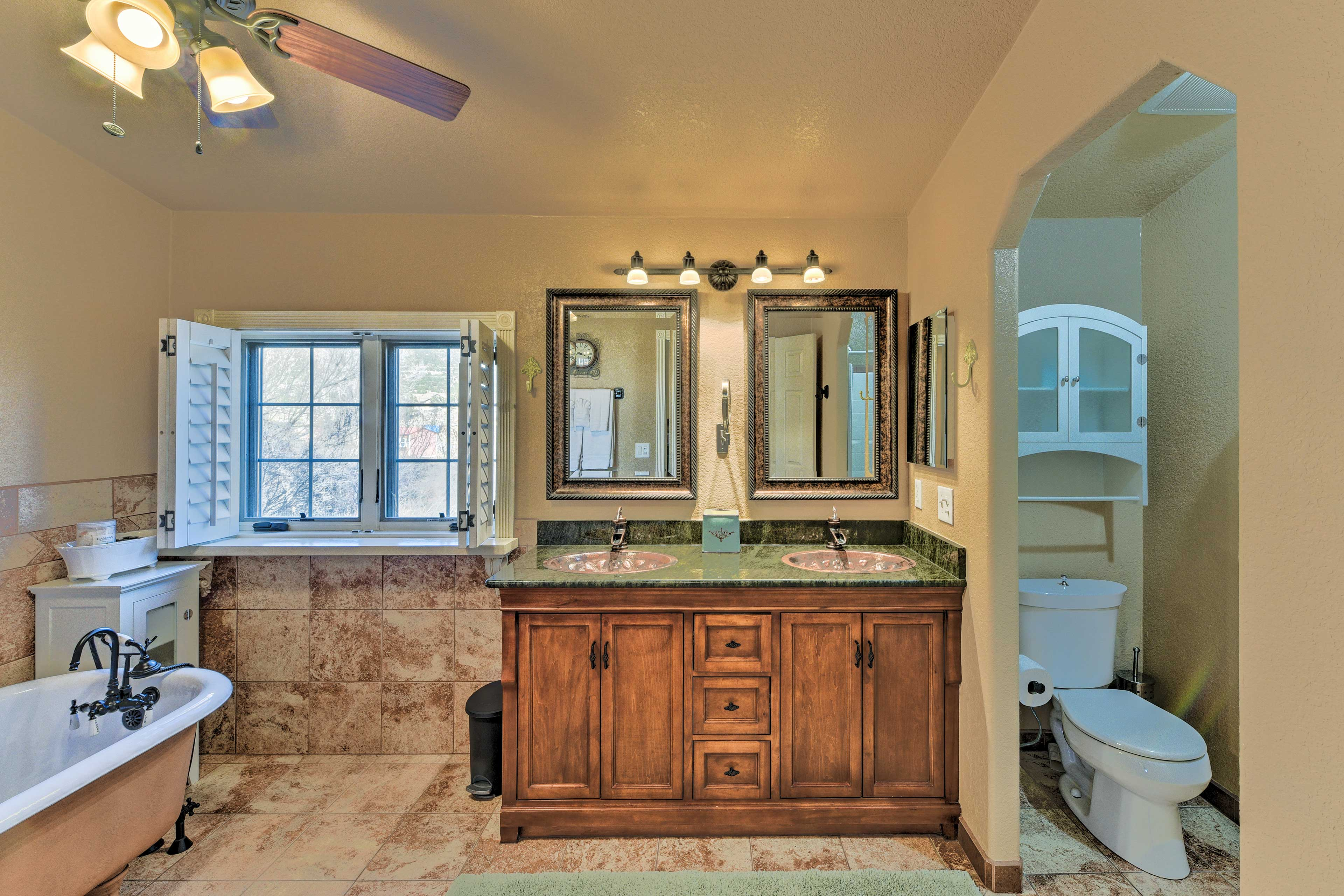 You & your significant other can get ready side by side at this double vanity!
