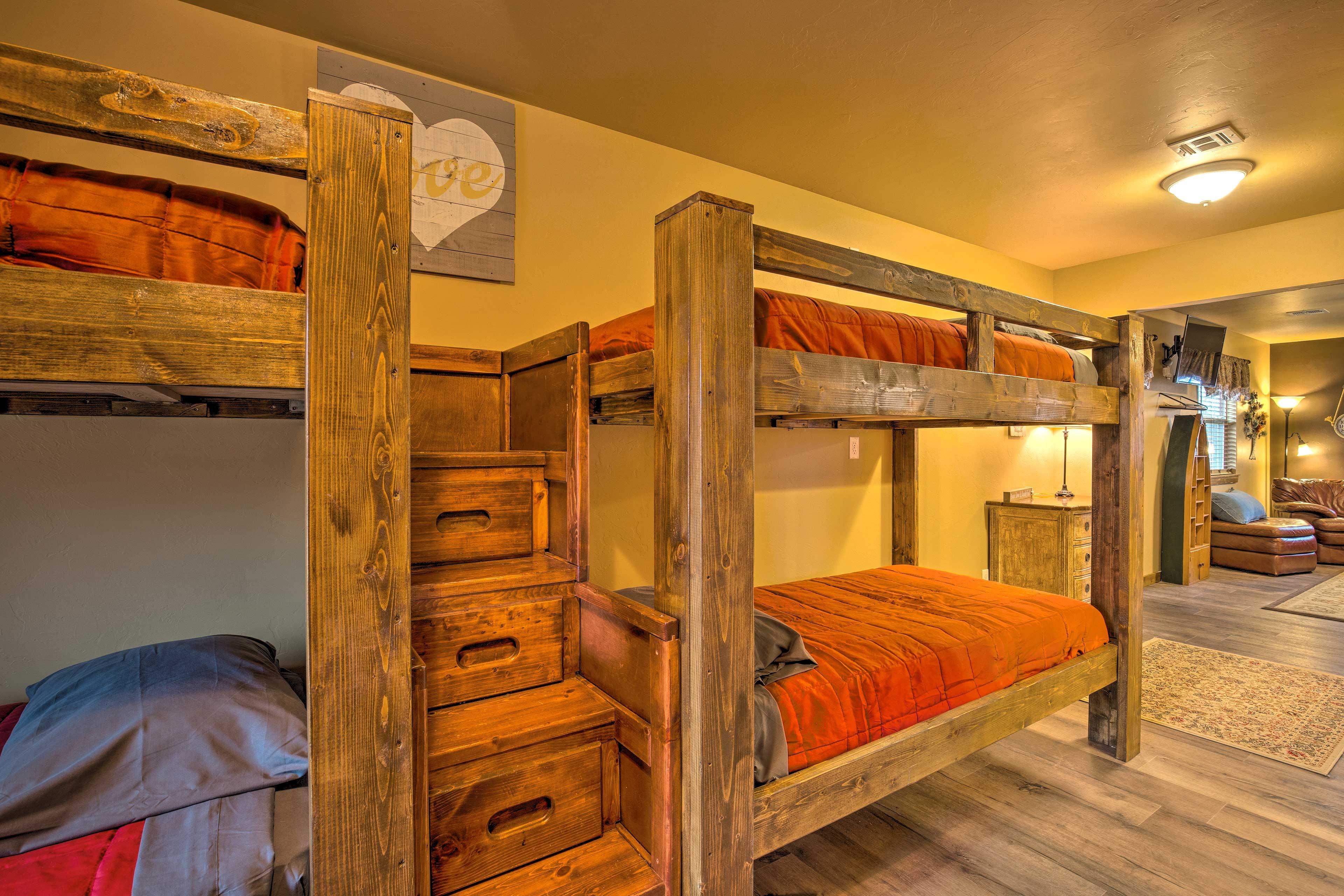 Who gets top bunk?