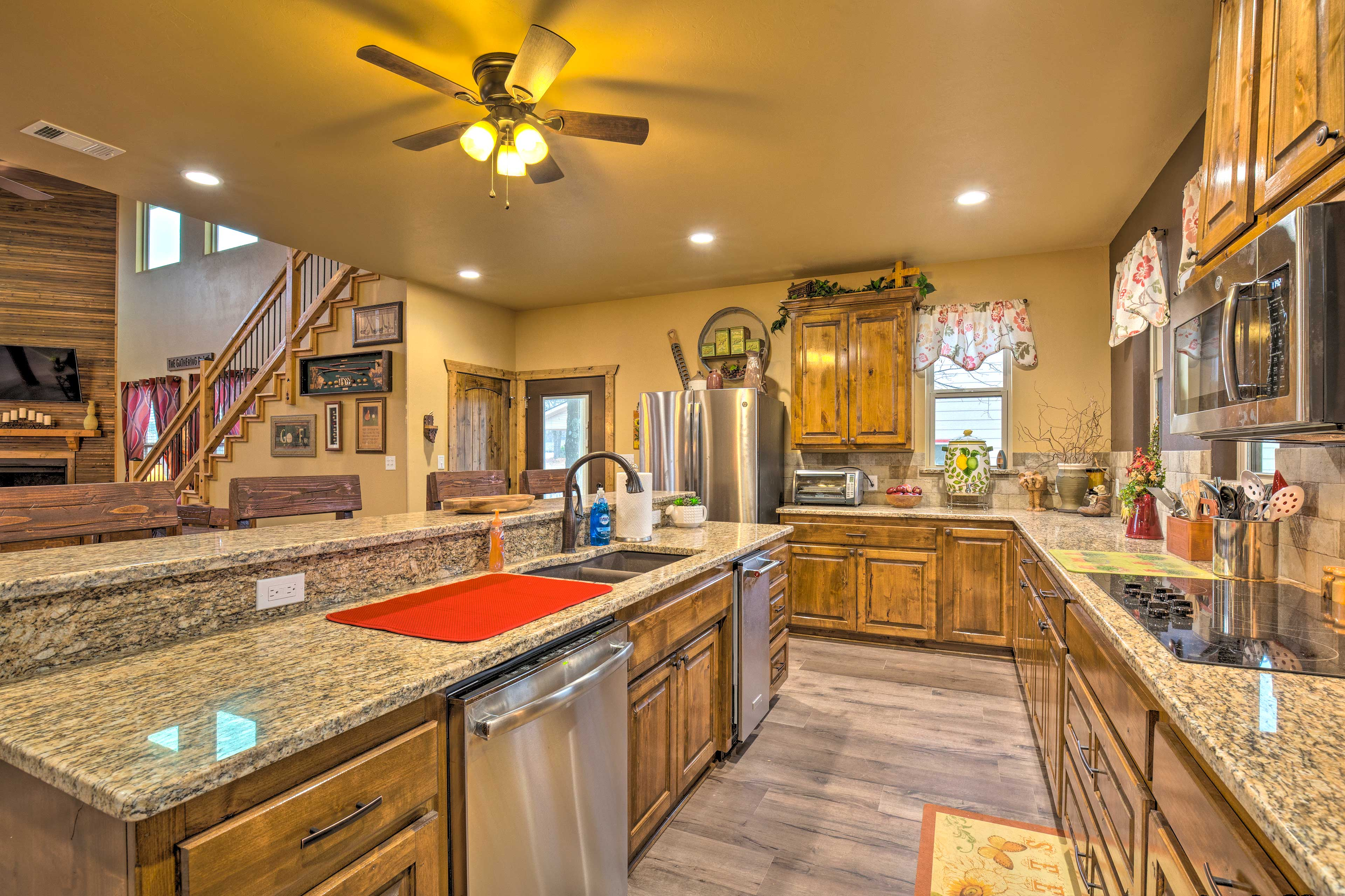 Chefs will love this spacious, fully equipped kitchen.