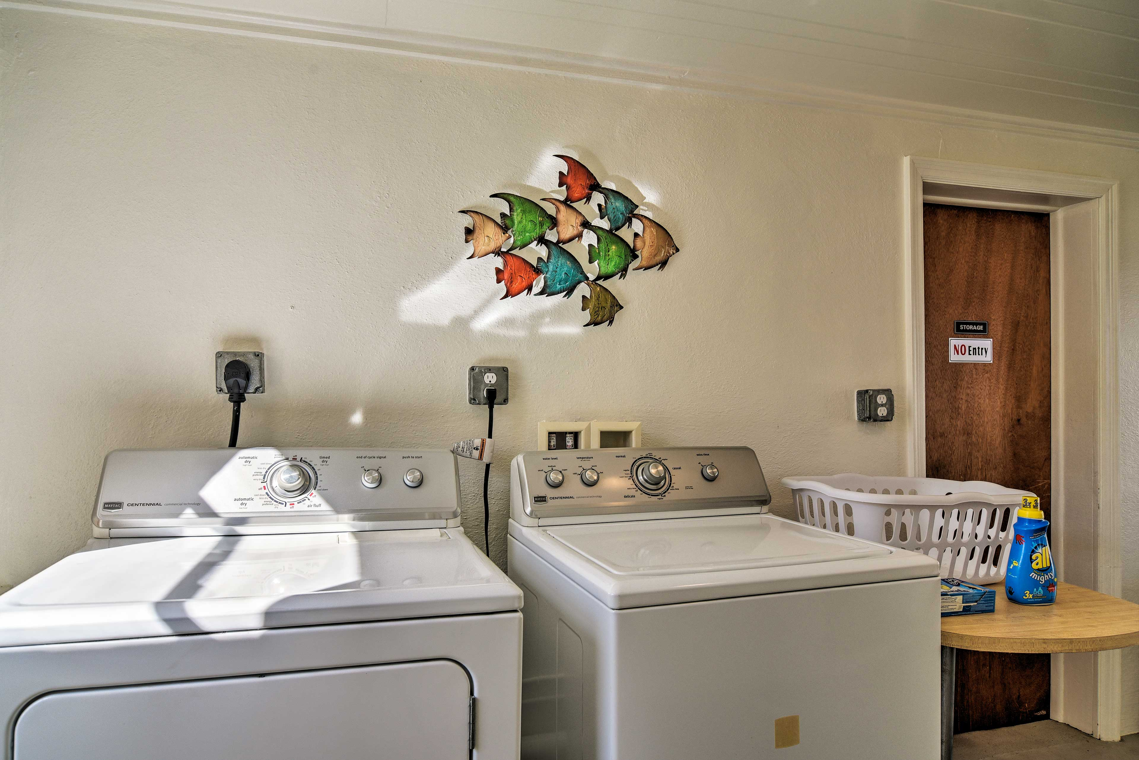 Keep your suitcases light and swimsuits fresh with in-unit laundry machines.