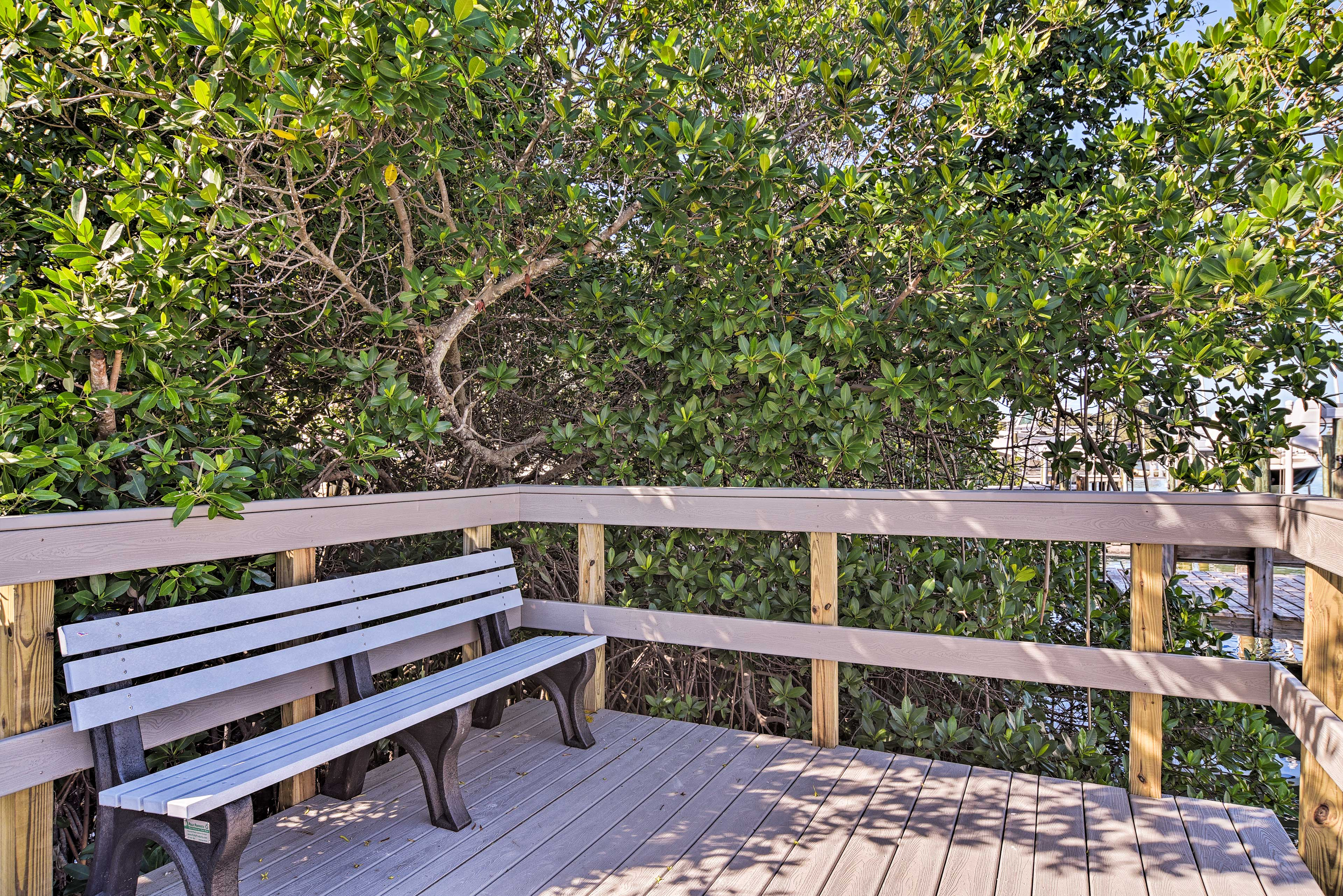Everything is within walking distance, including benches with beautiful views.