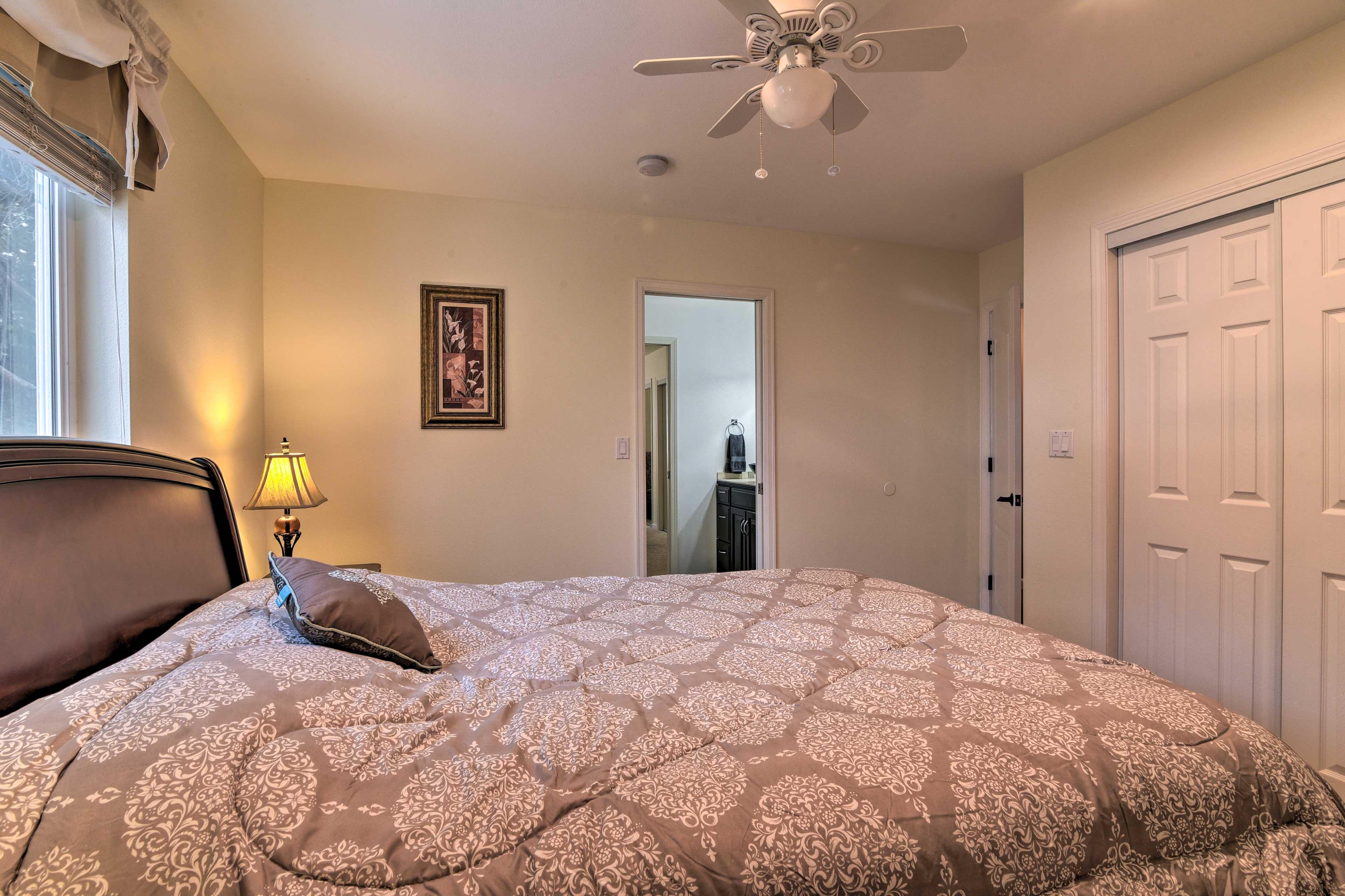 All of the bedrooms feature en-suite bathrooms.