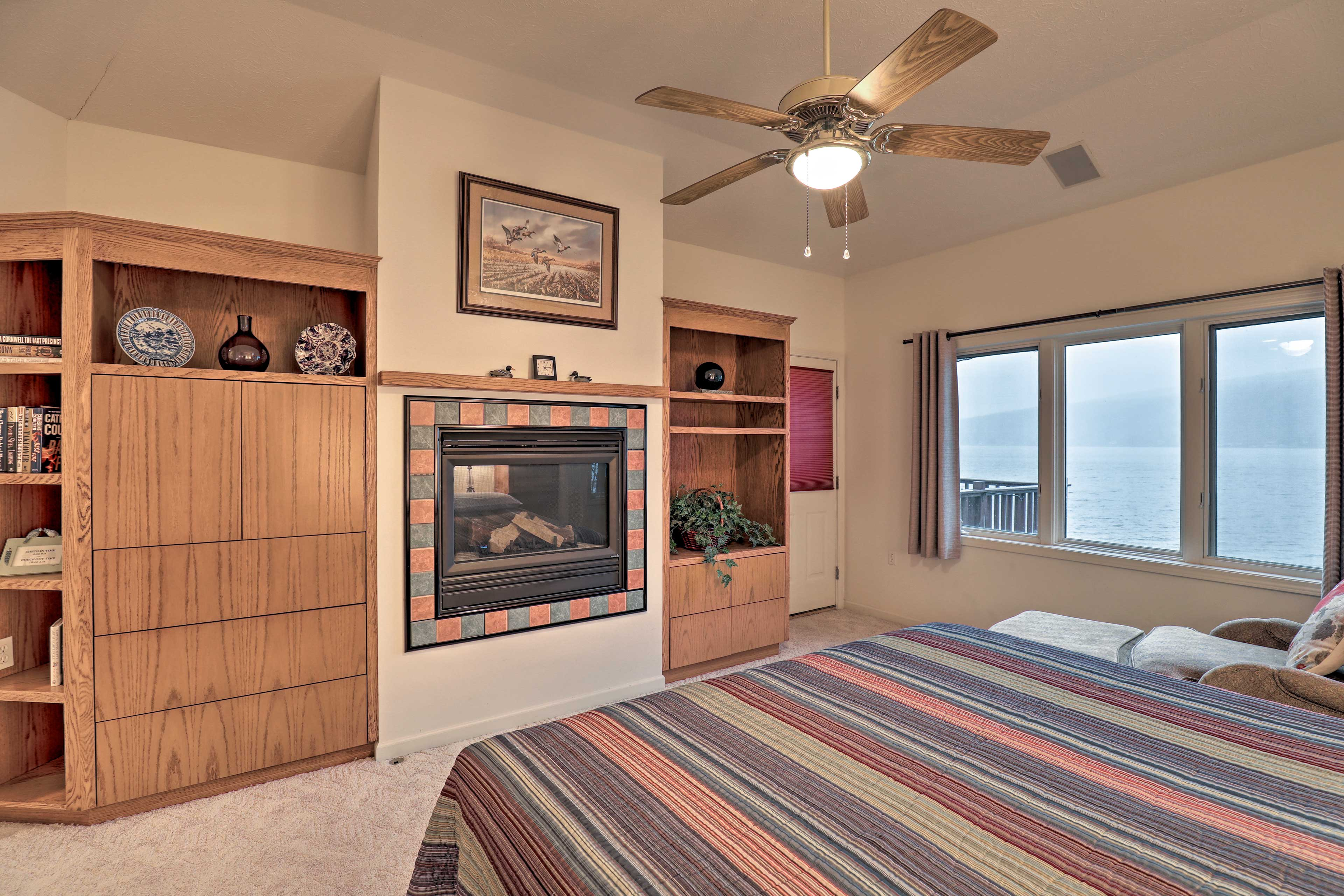 A gas fireplace at the foot of the bed keeps your feet warm through the night!