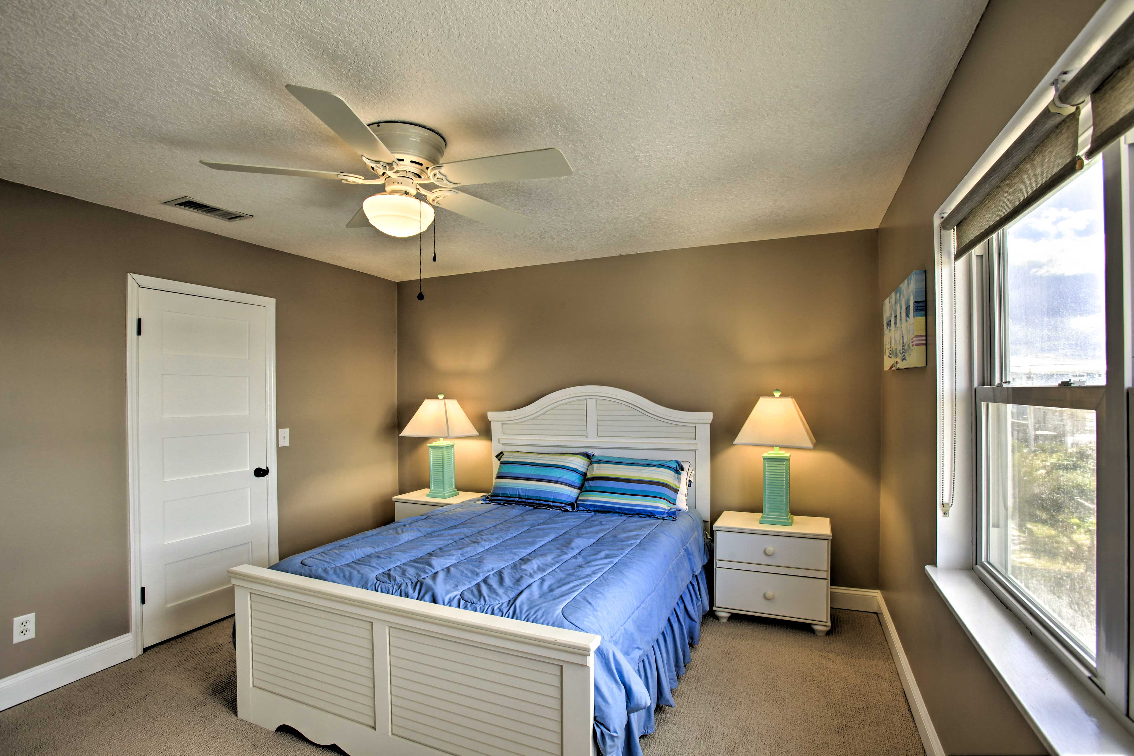Stay cool as you drift off to sleep beneath the ceiling fan.