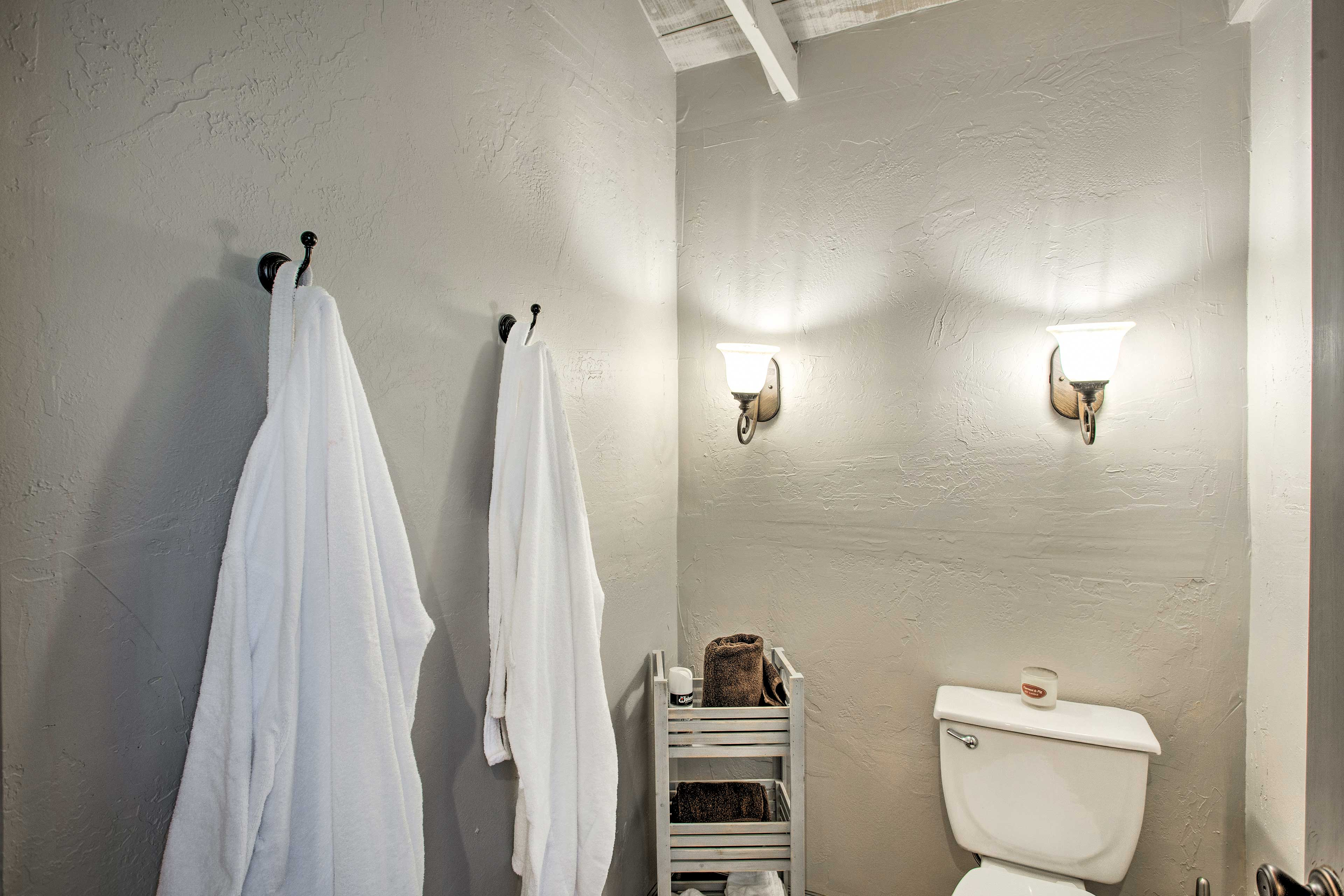 Full Bathroom | Towels and Robes Provided
