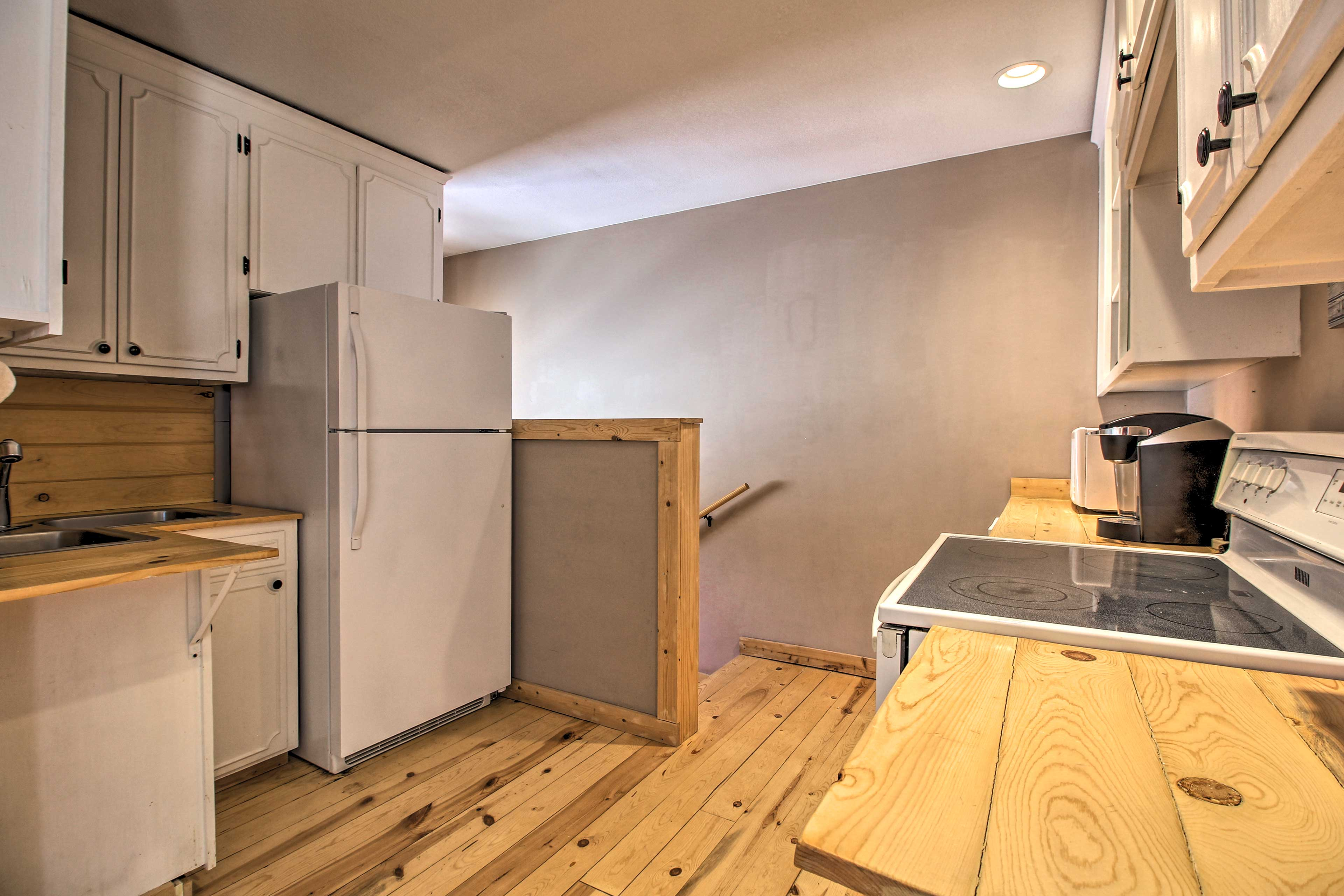 Upstairs an additional fully equipped kitchen is available!
