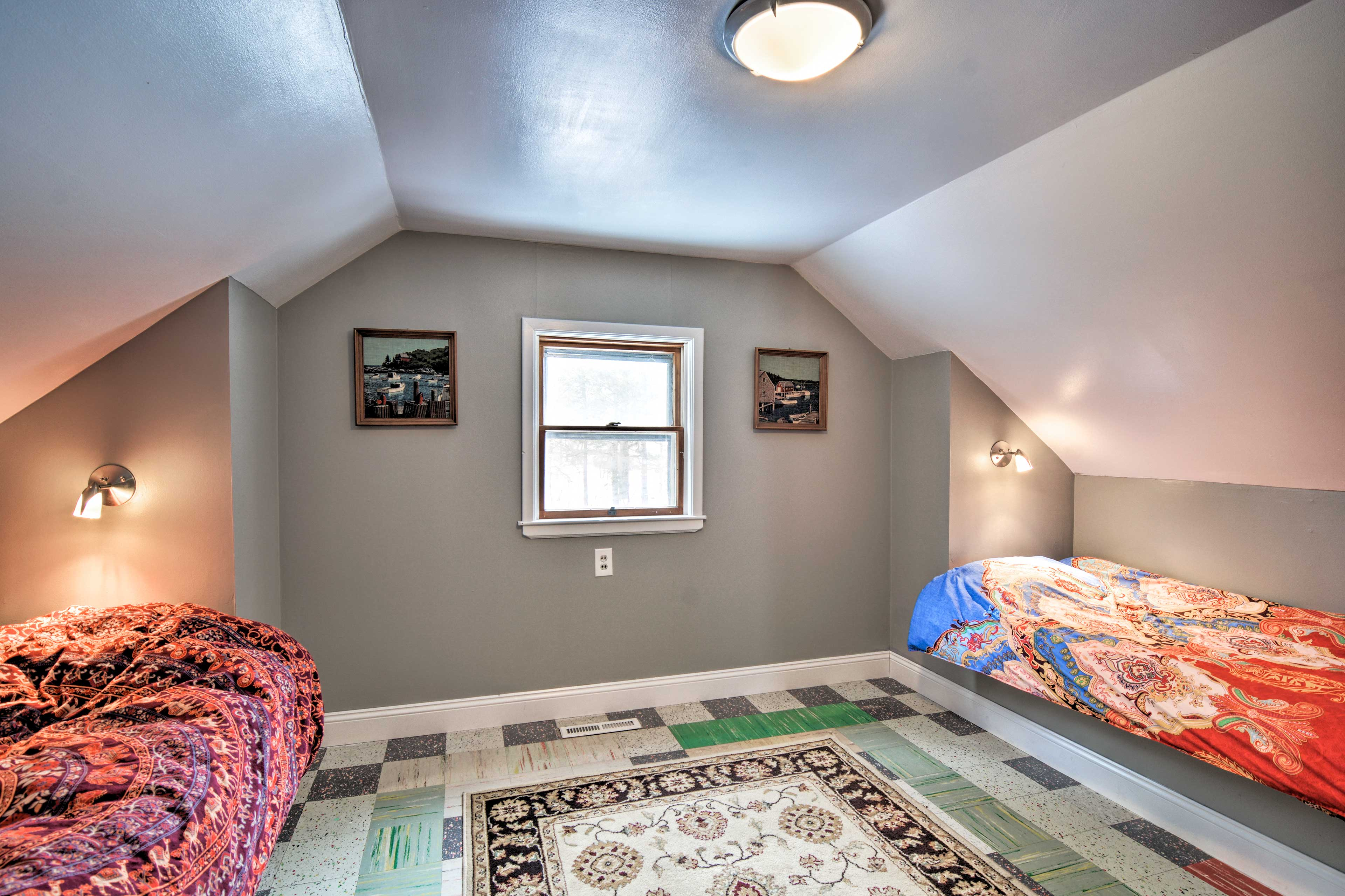 This room is perfect for the kiddos!