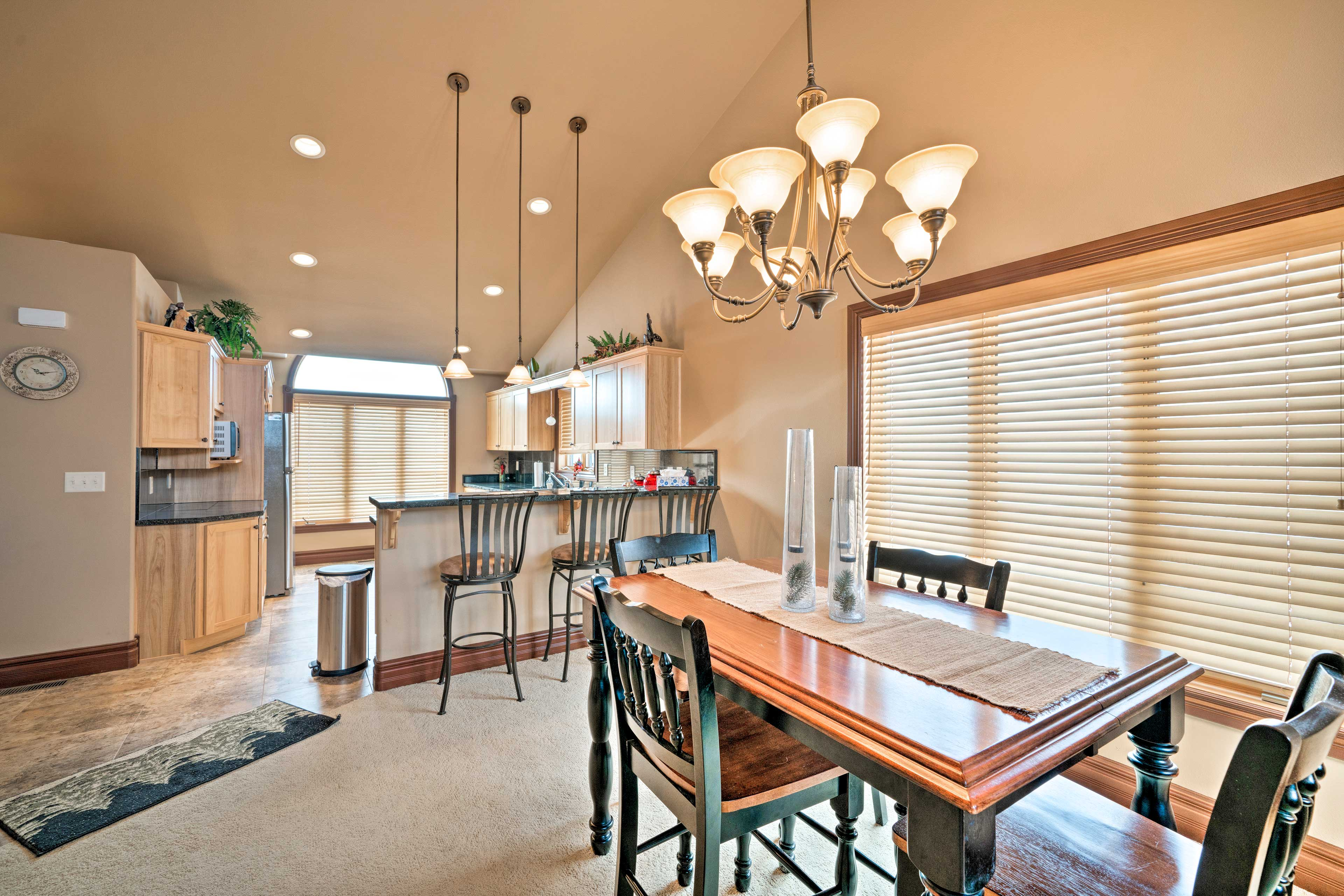 This home can comfortably accommodate groups of 4.