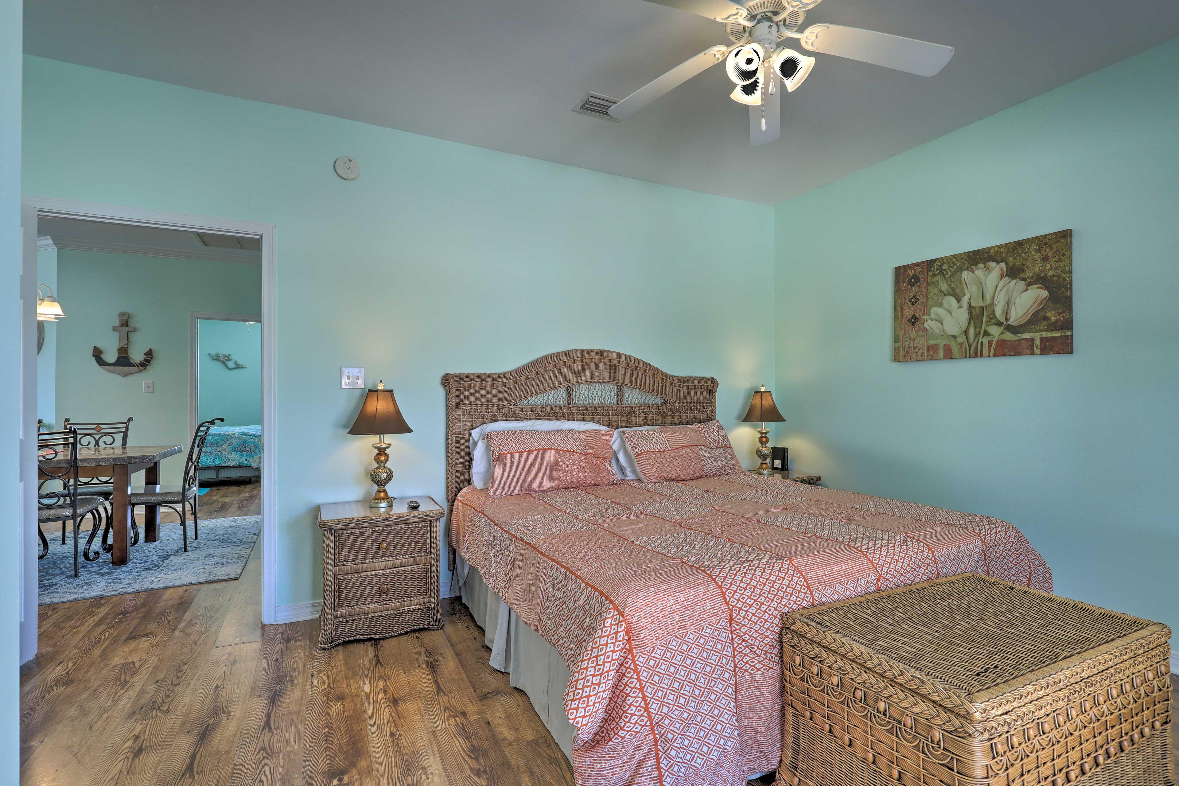 Master Bedroom | King Bed | Ceiling Fan
