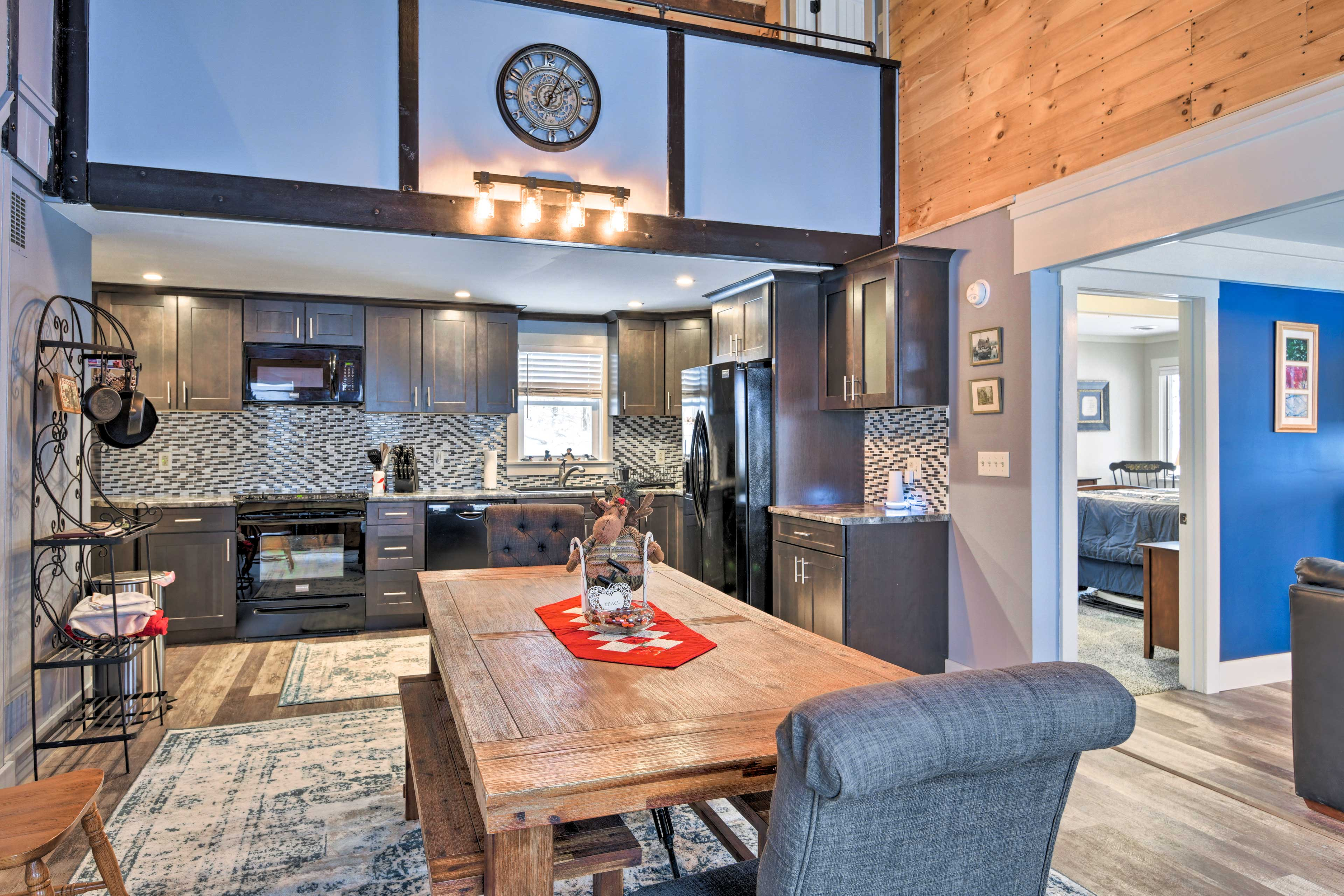 This Bethlehem vacation rental is the ultimate New Hampshire home base!