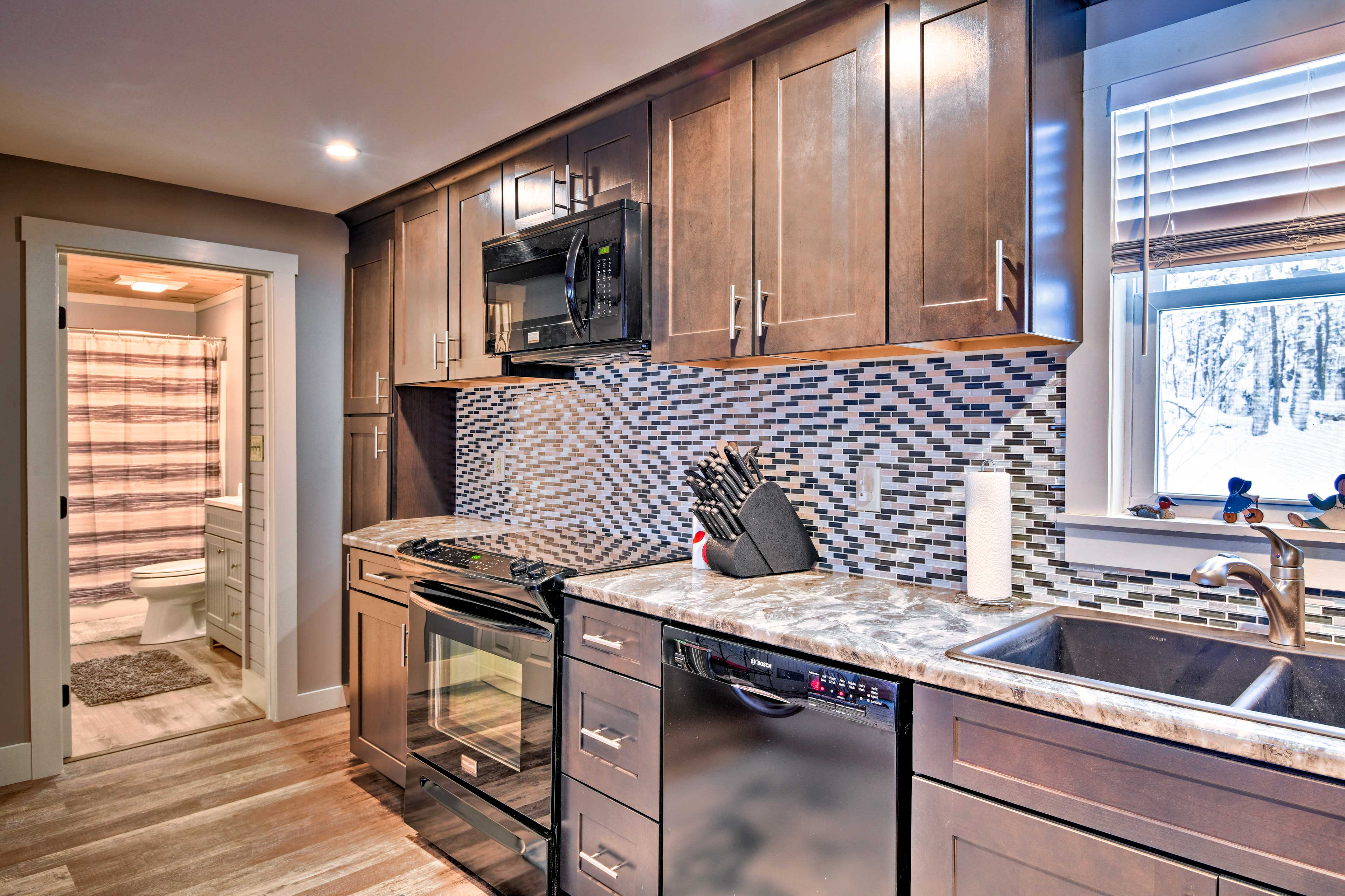 Whip up your favorite meals in the fully equipped kitchen!