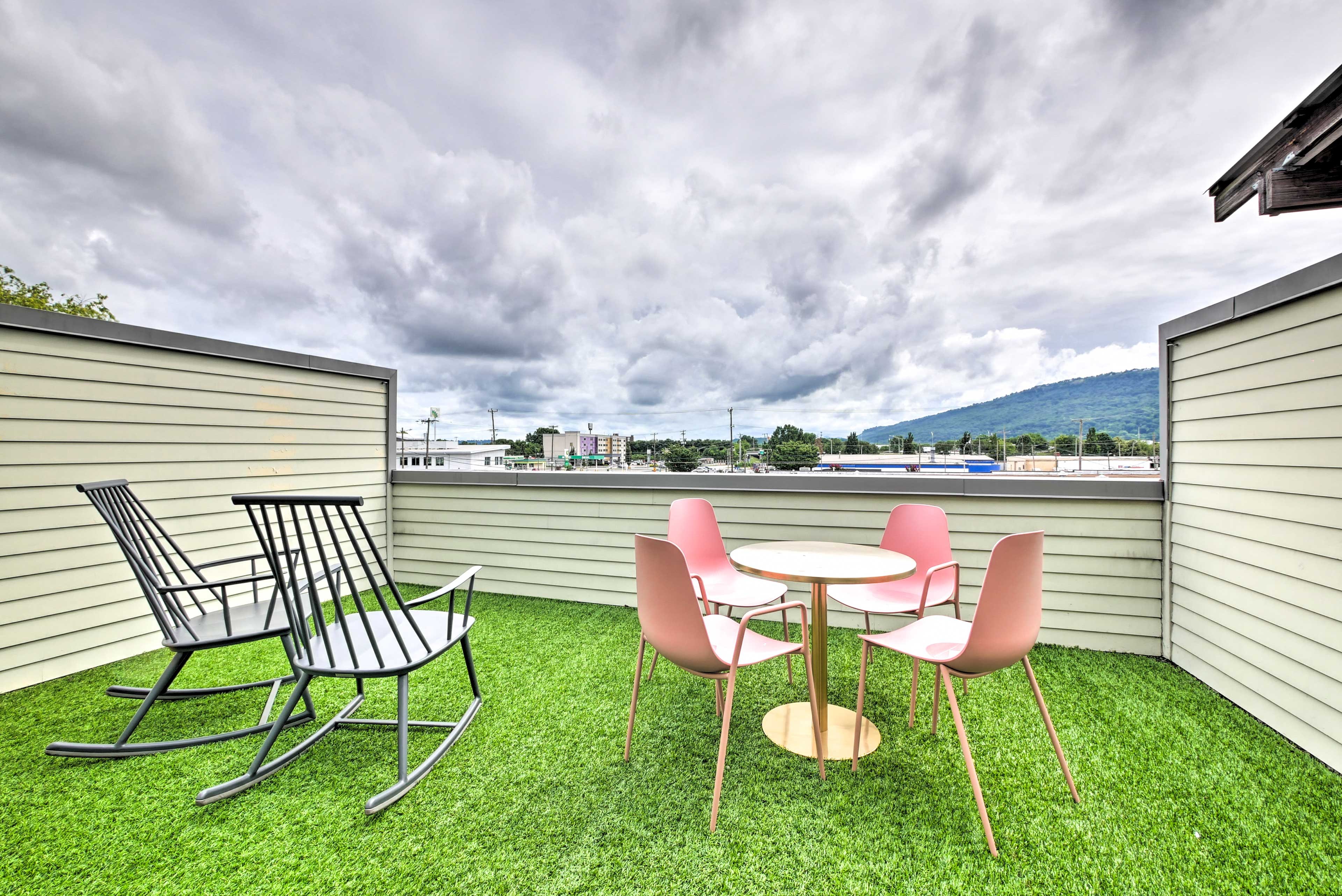 Furnished Rooftop