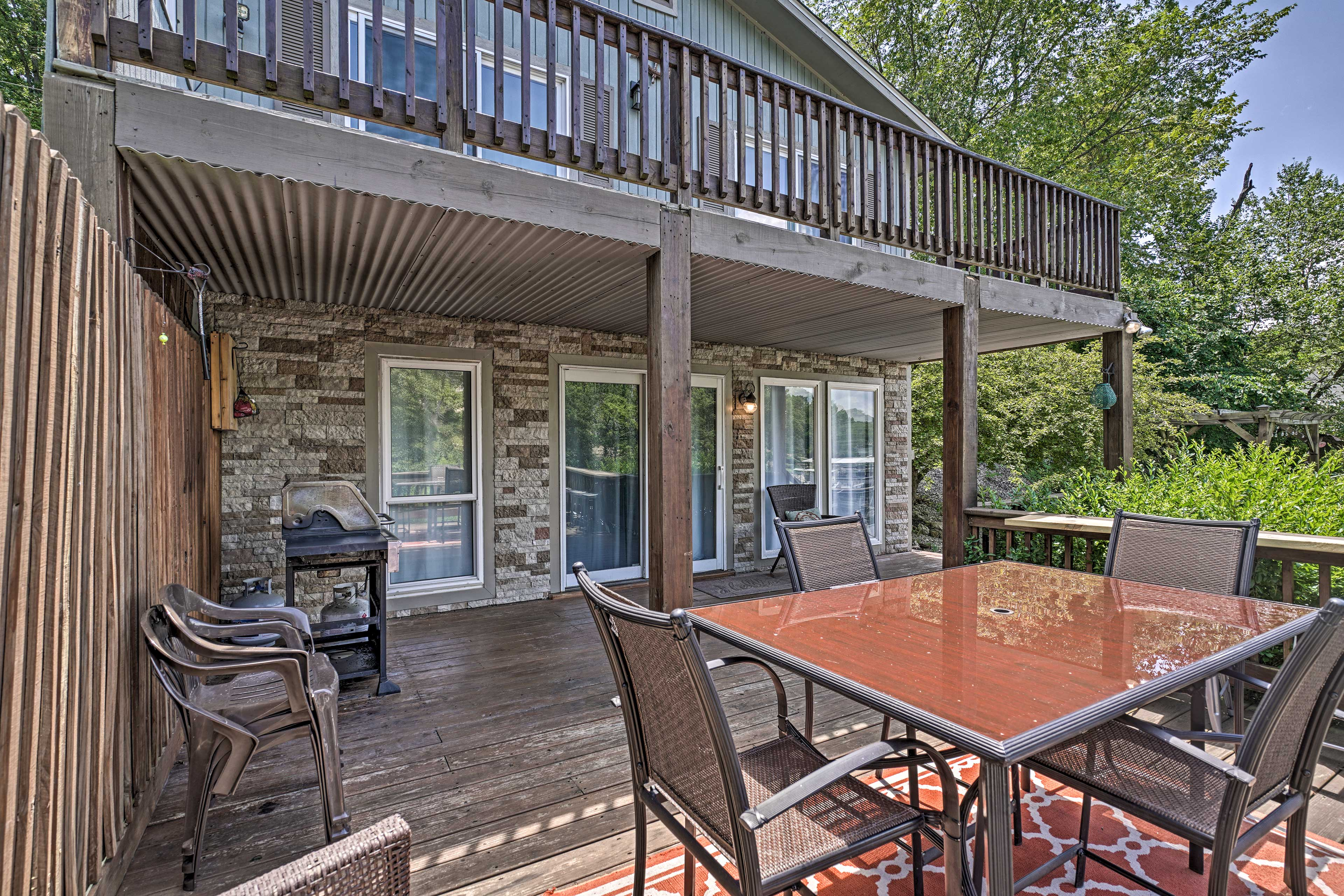 This vacation rental house is located at the very end of Lick Branch Cove.