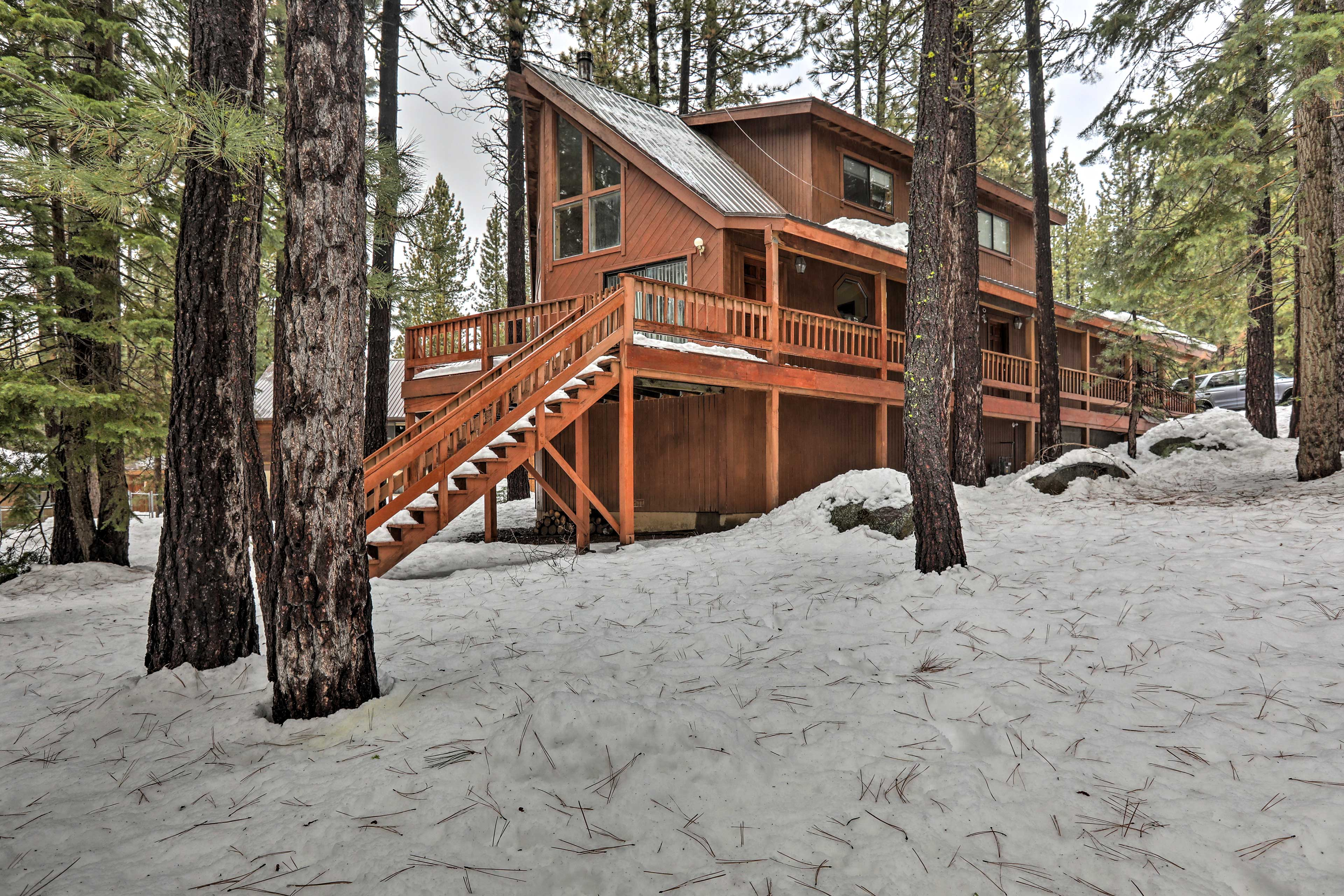 This home is situated in Truckee just minutes from Donner Lake!