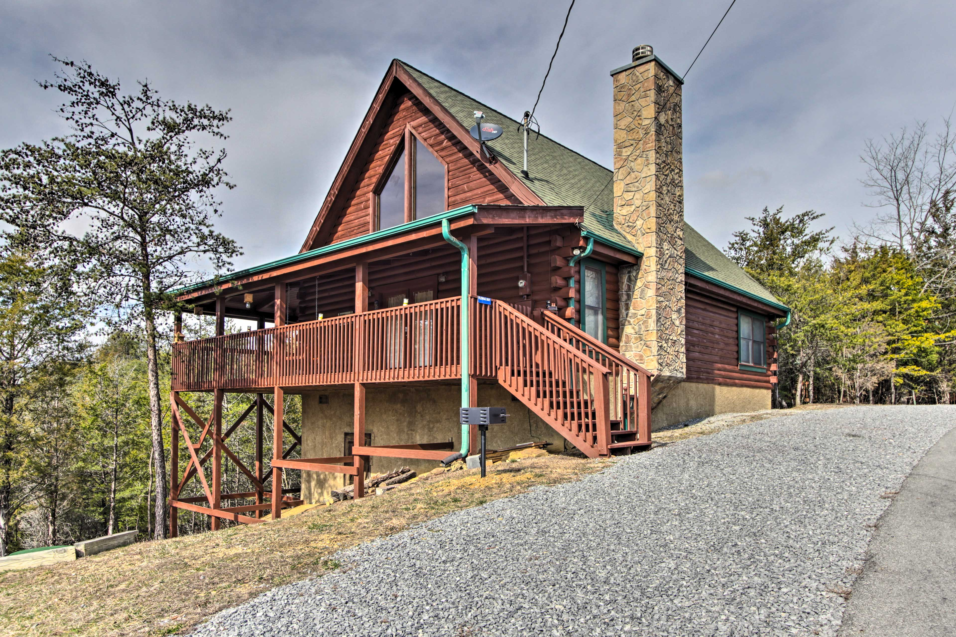 This vacation rental home is part of Douglas Lake Community.