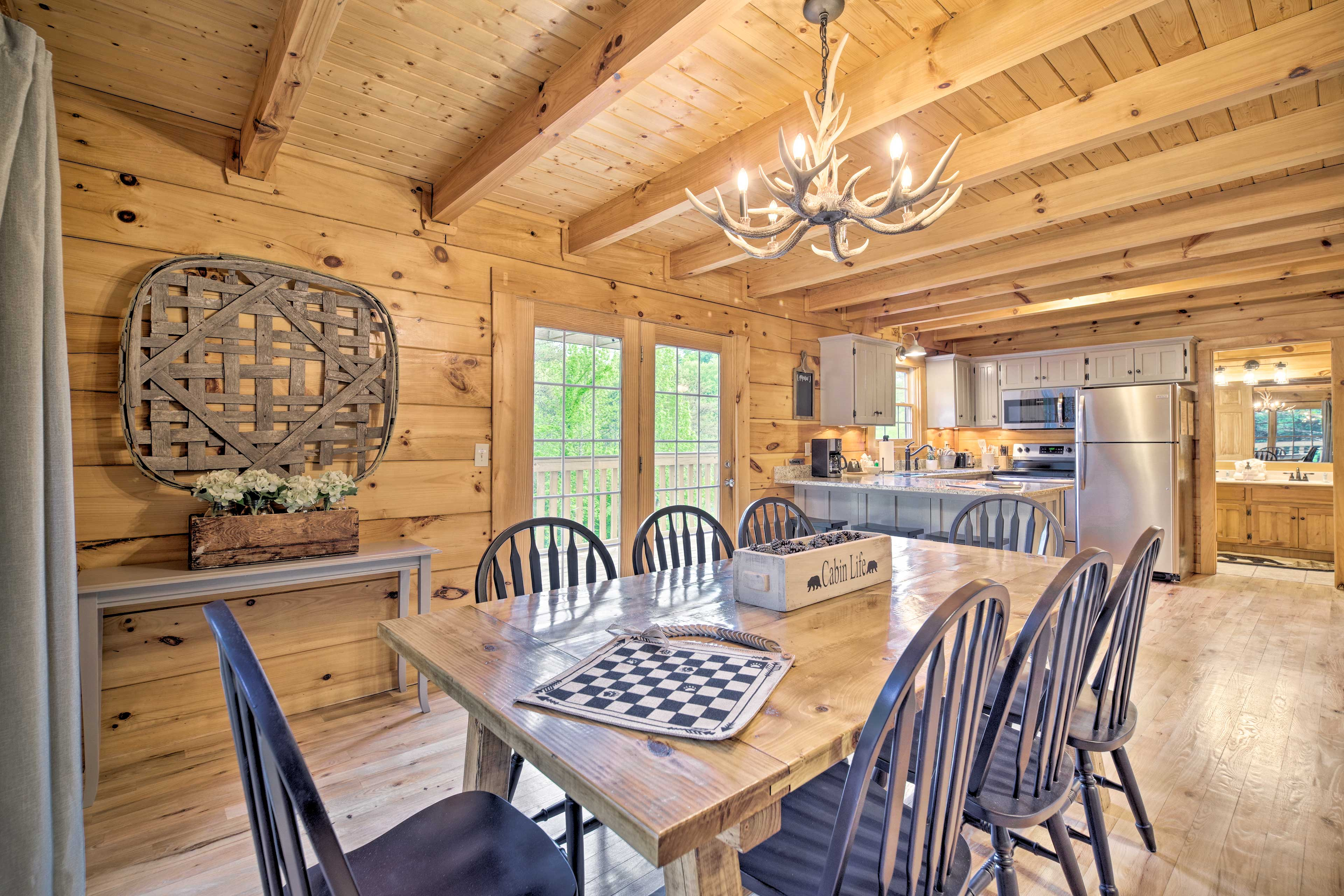 Enjoy meals together at the 8-person table!