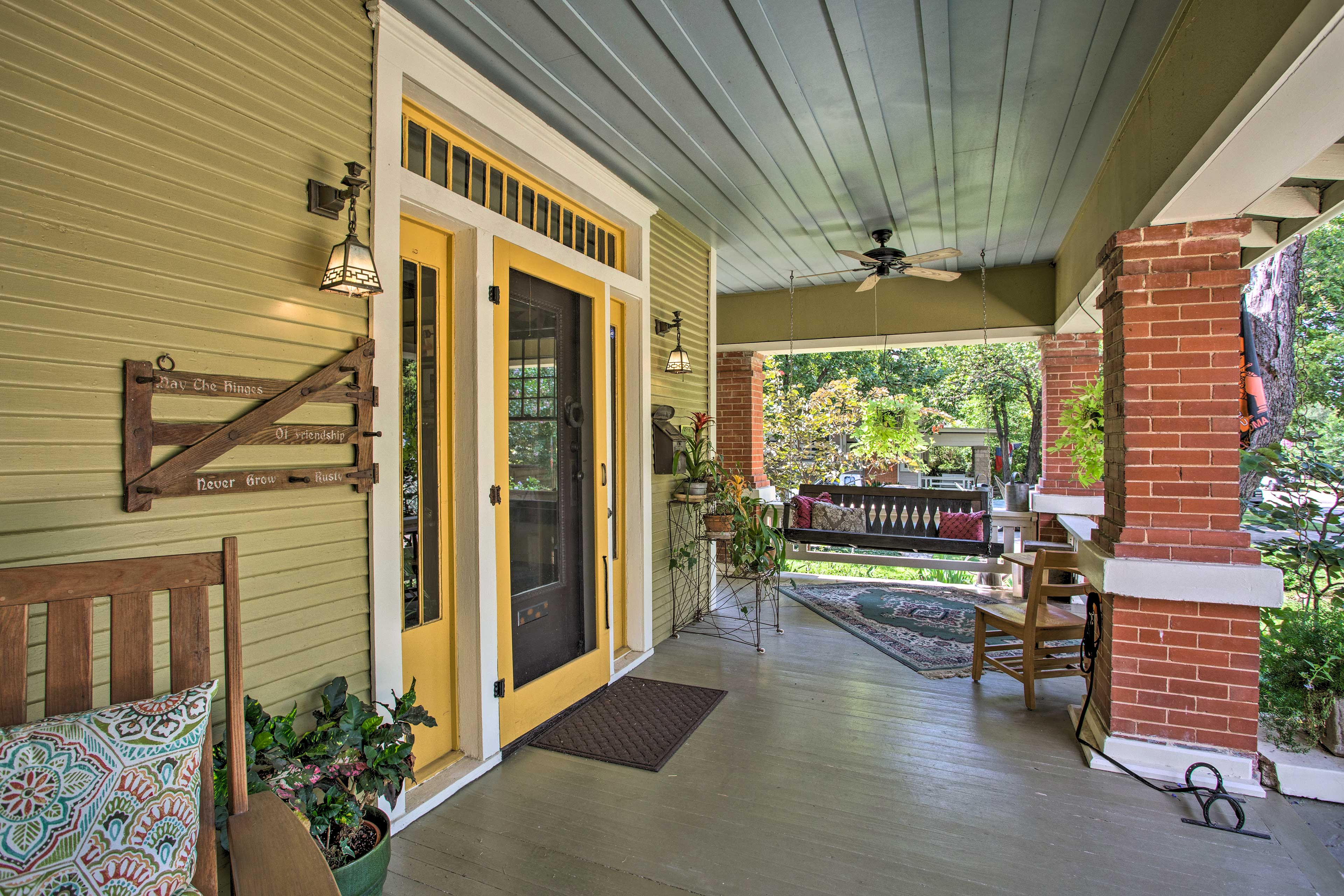 This home and cottage await in Fort Worth.