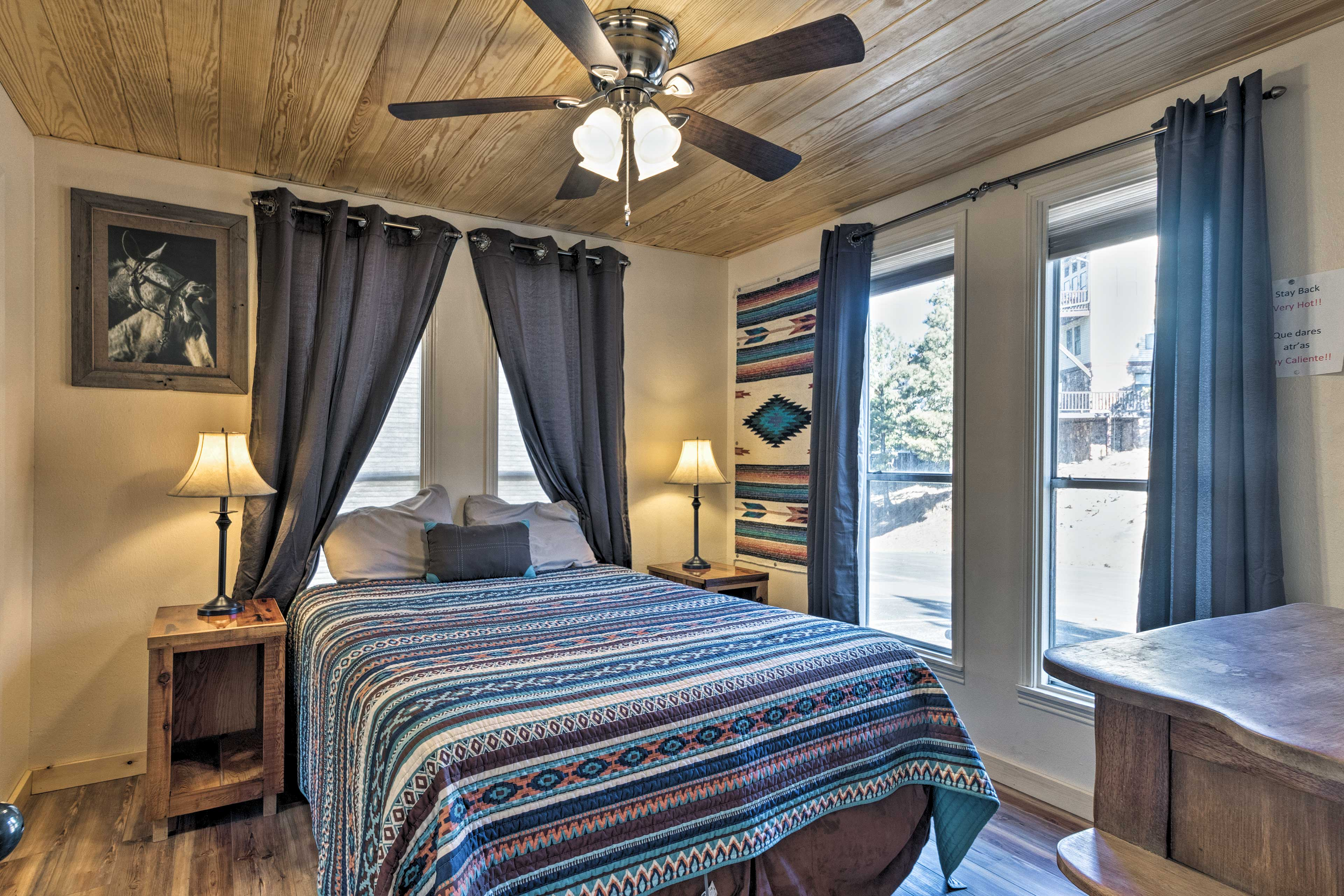 This room sleeps 2 in a queen bed.