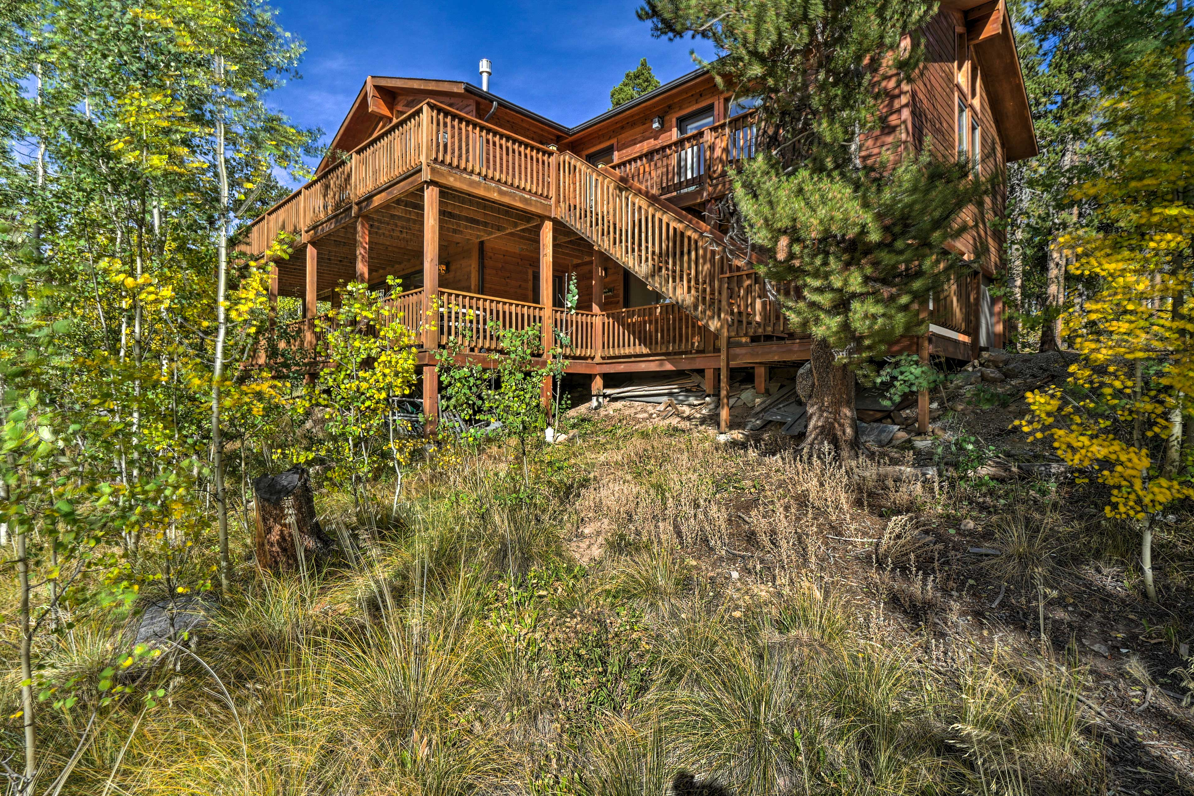 Your remarkable retreat awaits in Fairplay, Colorado! Book today!