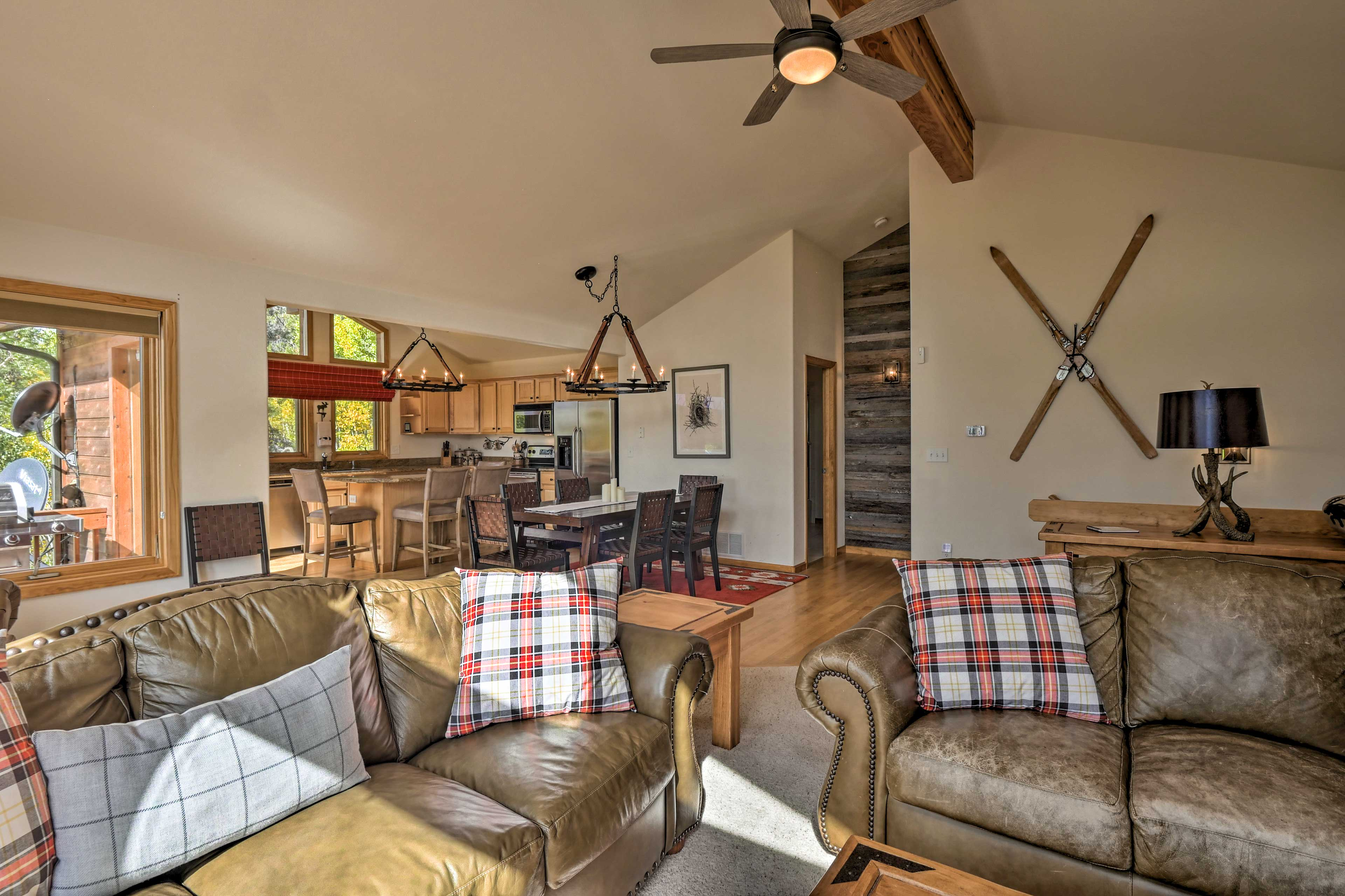 This home offers essential amenities like free WiFi and cable TV.