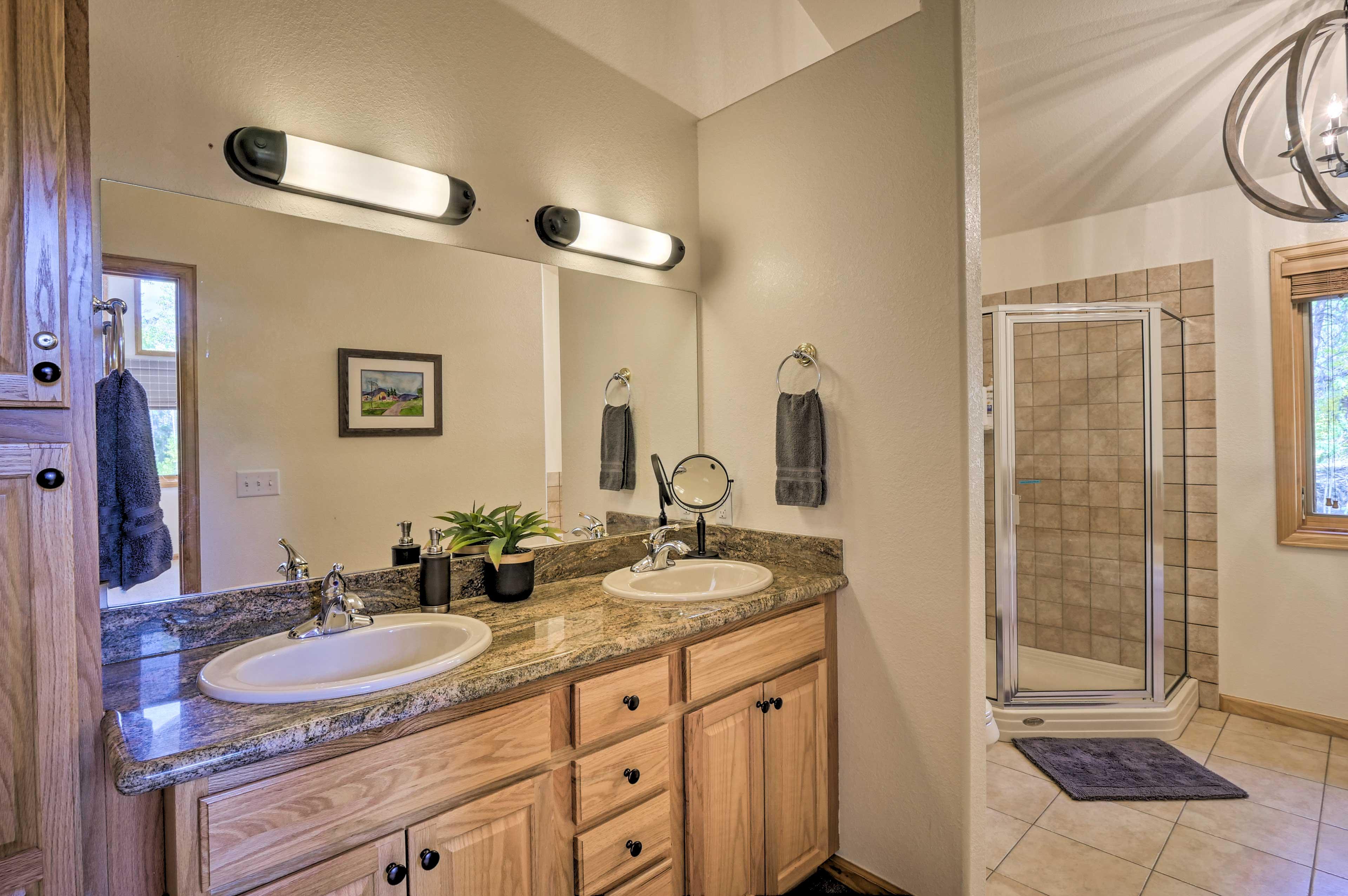 The master bedroom also features an en-suite bathroom.