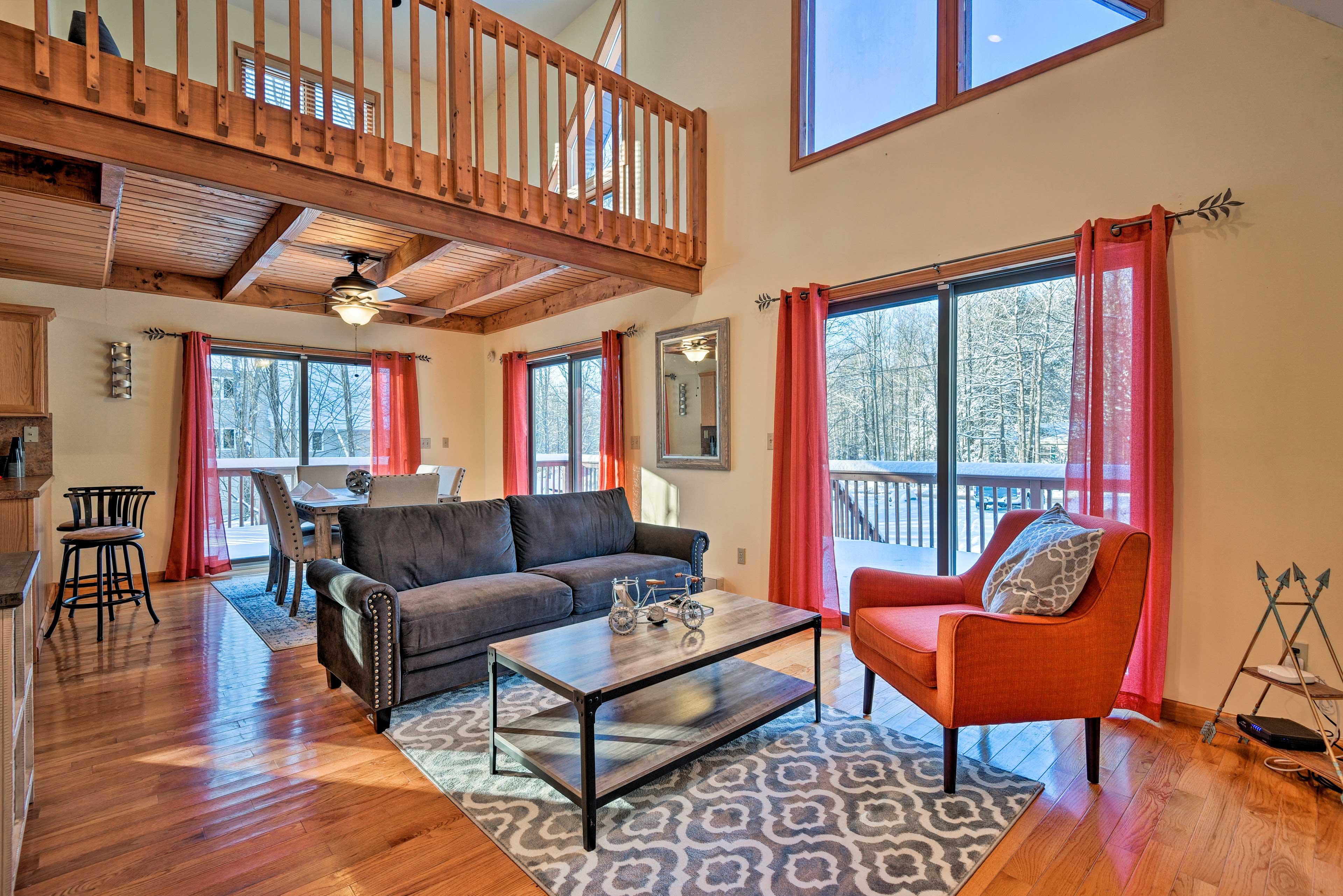 Have a cozy getaway at this Lake Ariel vacation rental cabin!
