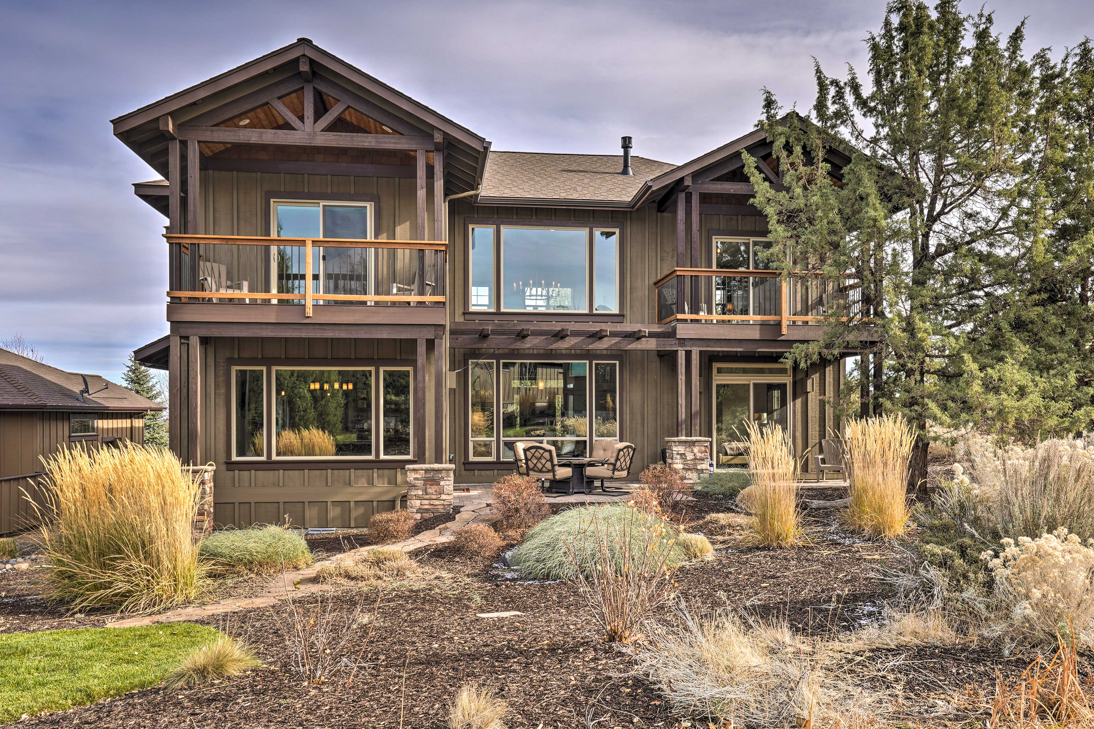 Redmond Vacation Rental | 4BR | 2.5BA | 2 Stories | 2,000 Sq Ft