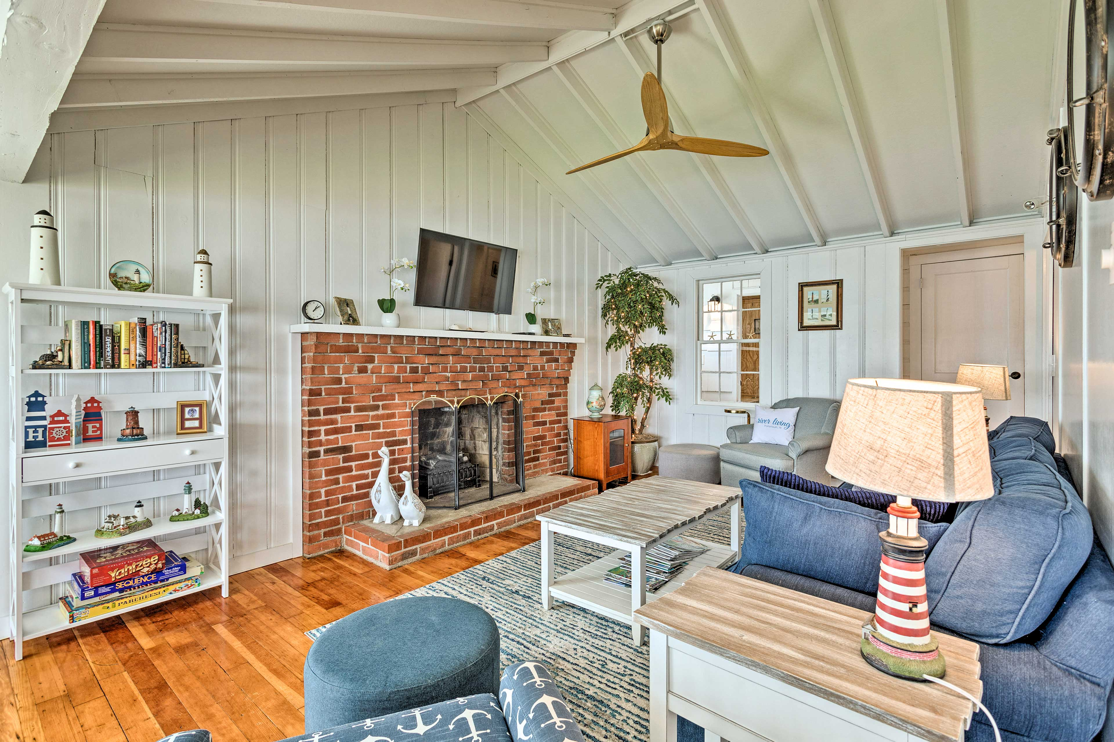 Portsmouth Vacation Rental   2BR   1BA   900 Sq Ft   1 Story