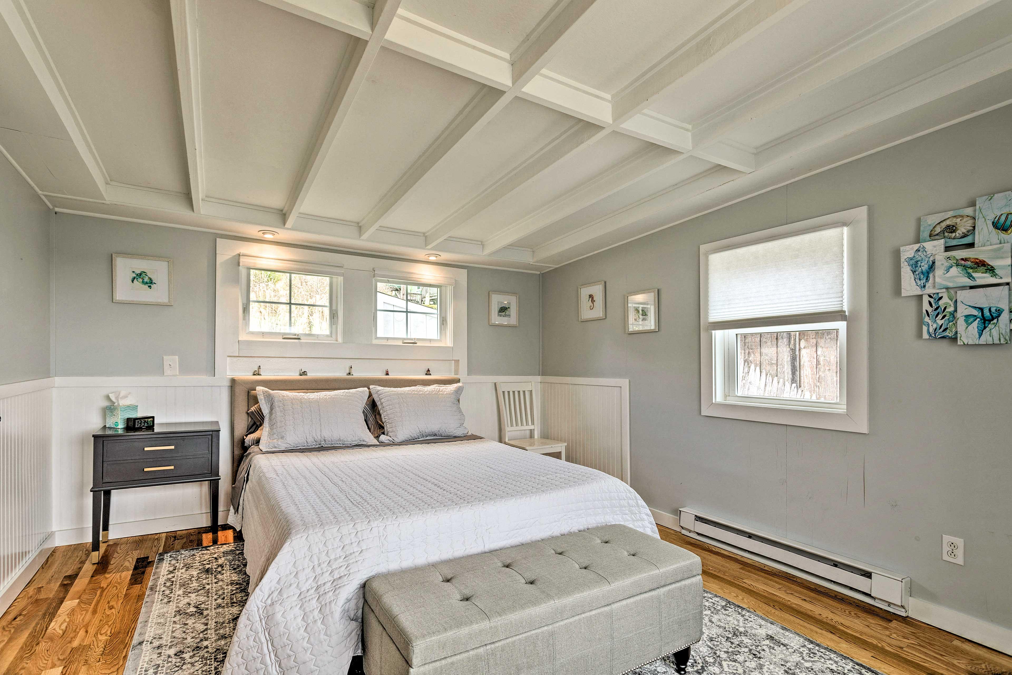 Bedroom 1   Queen Bed   1st Floor