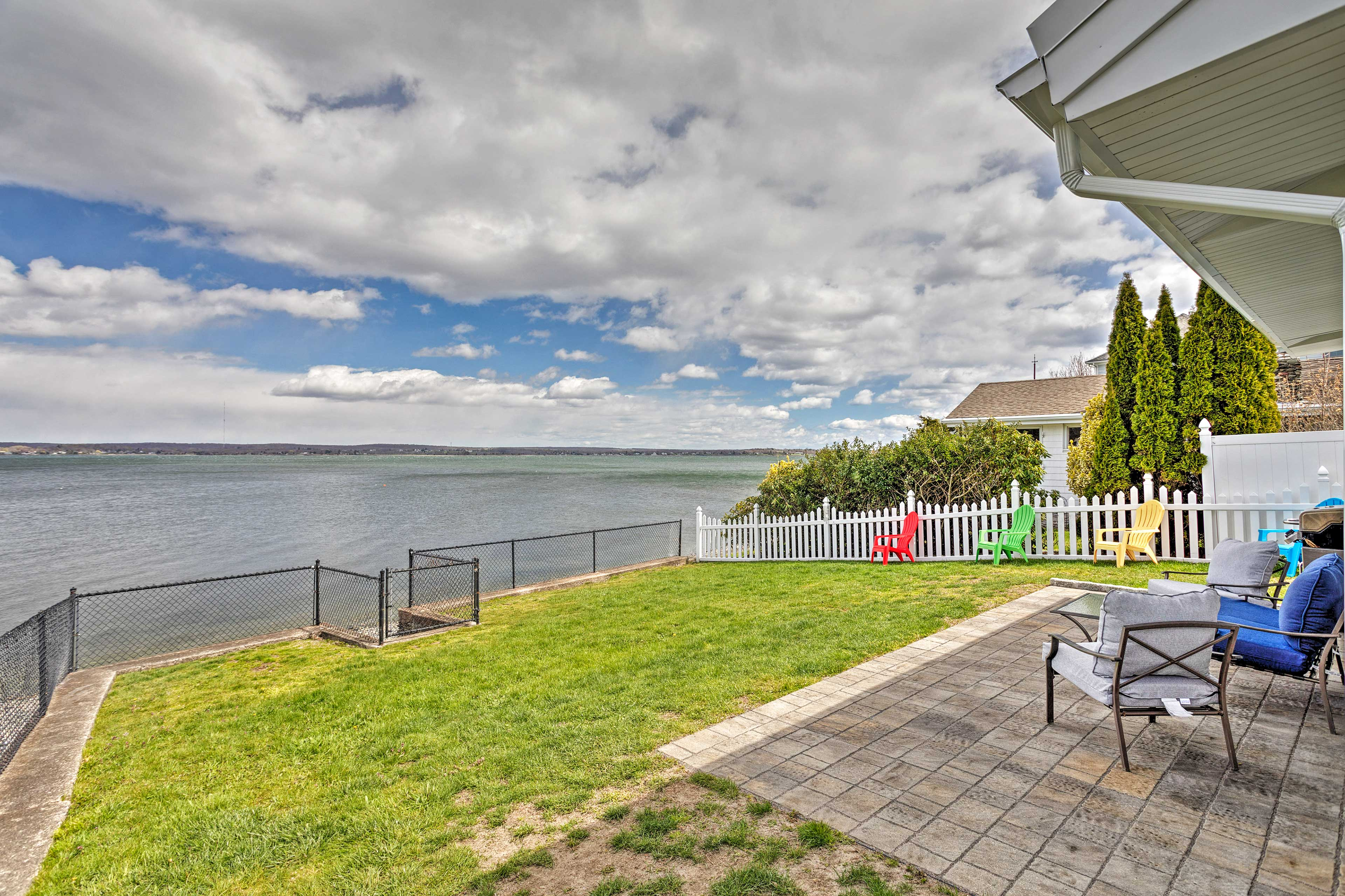 Property Exterior   Riverfront   Outdoor Shower   Gas Grill