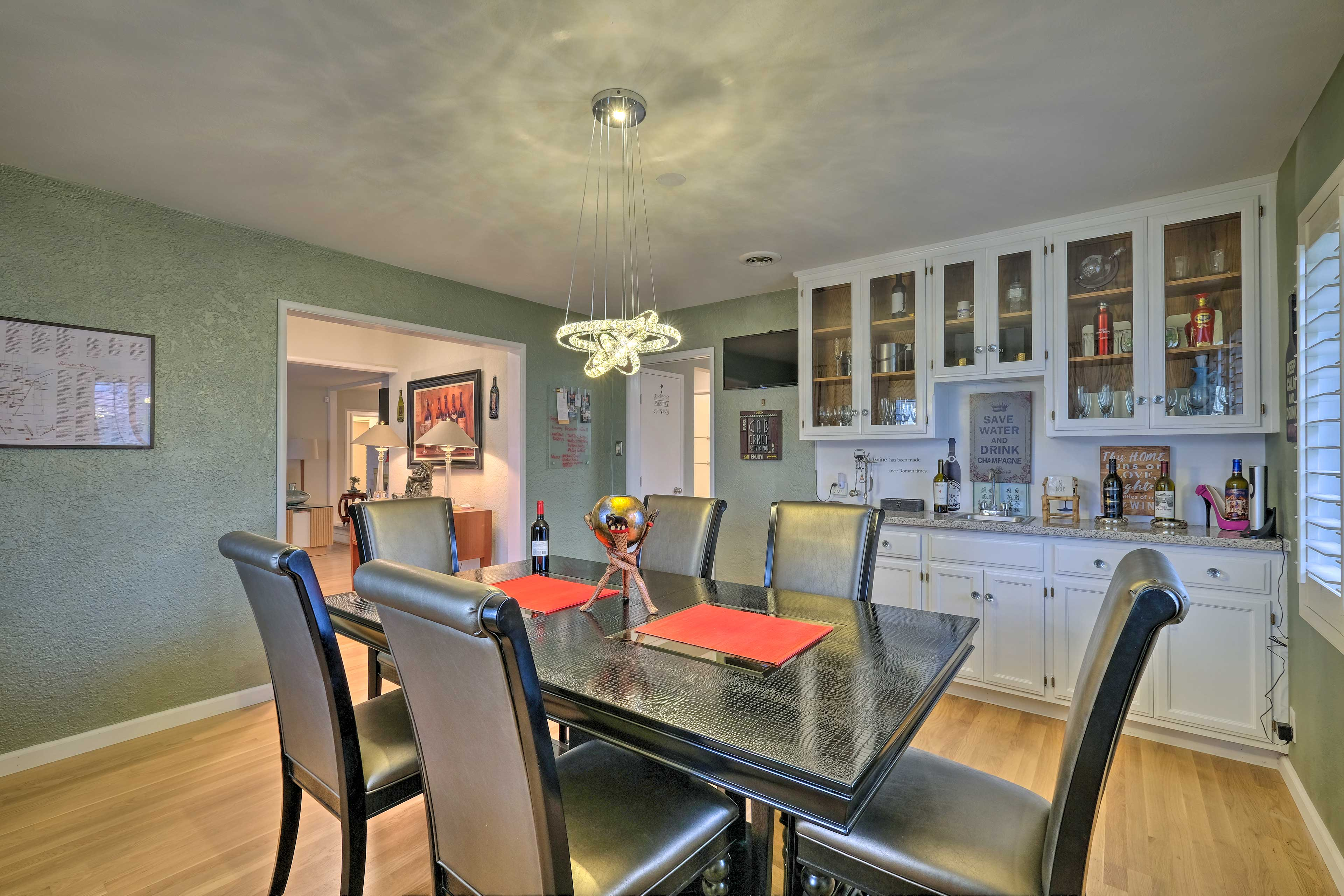 Interior | High-End Furnishings