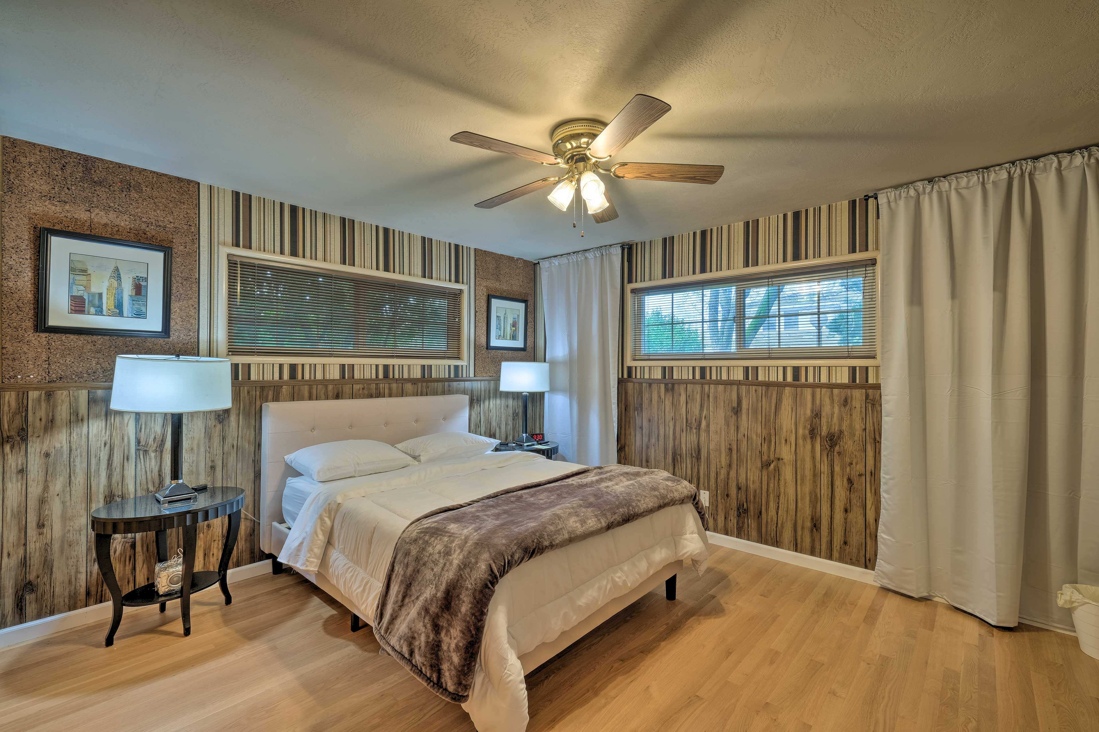 Bedroom 3 | Queen Bed