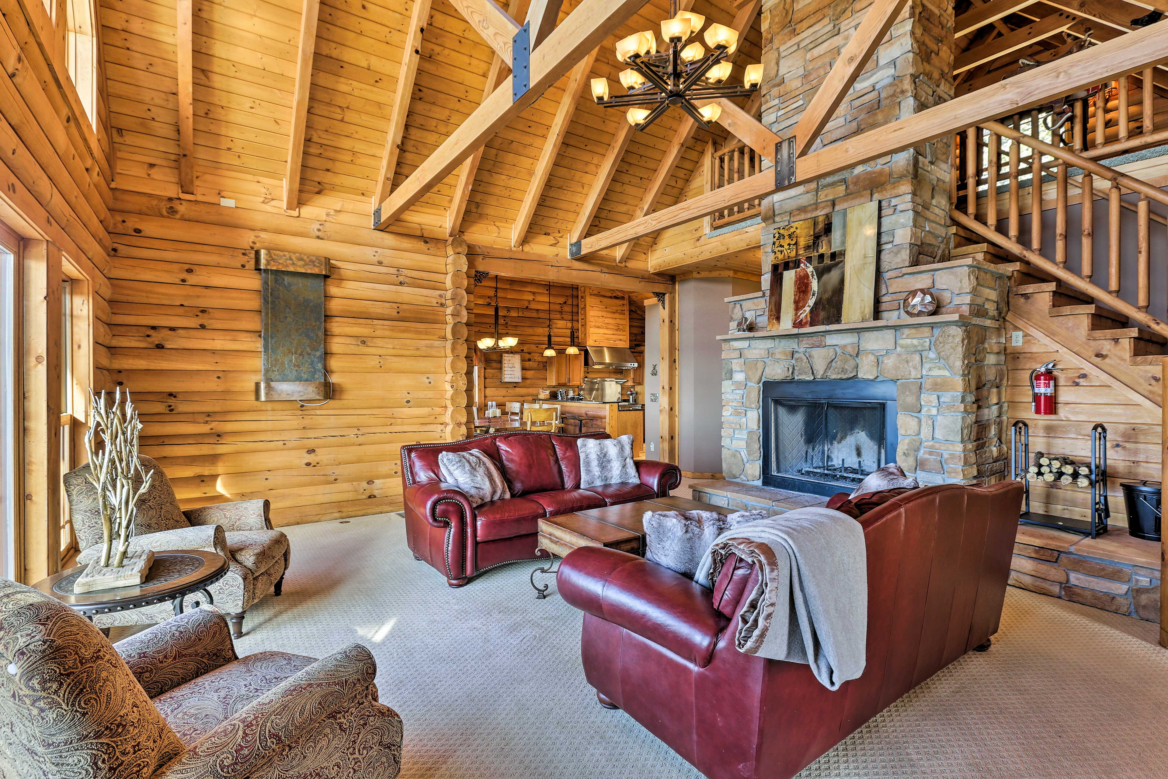 There are 3 bedrooms, 3.5 bathrooms, and accommodations for 8 guests.