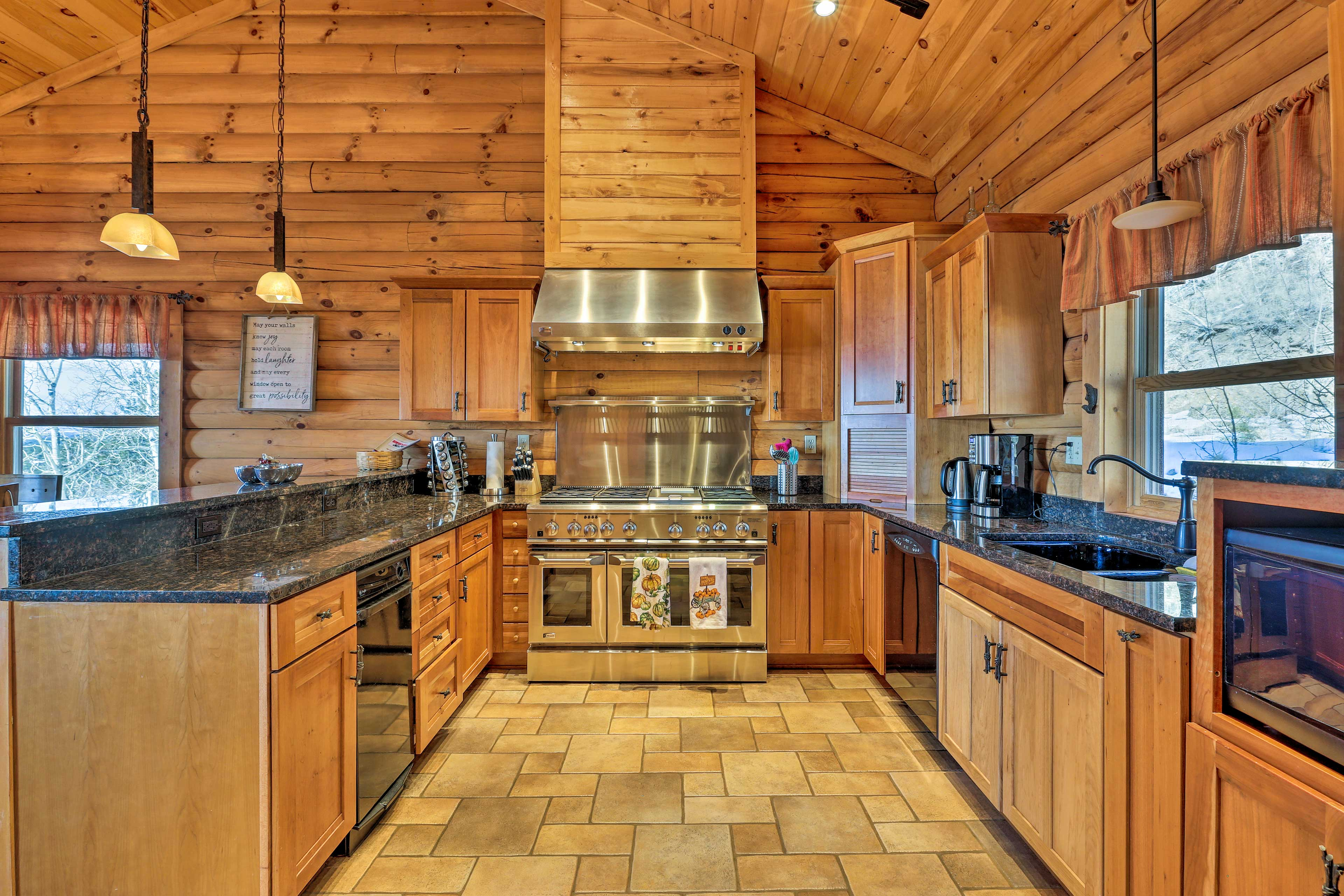 The fully equipped kitchen makes it easy to prepare your favorite meals.