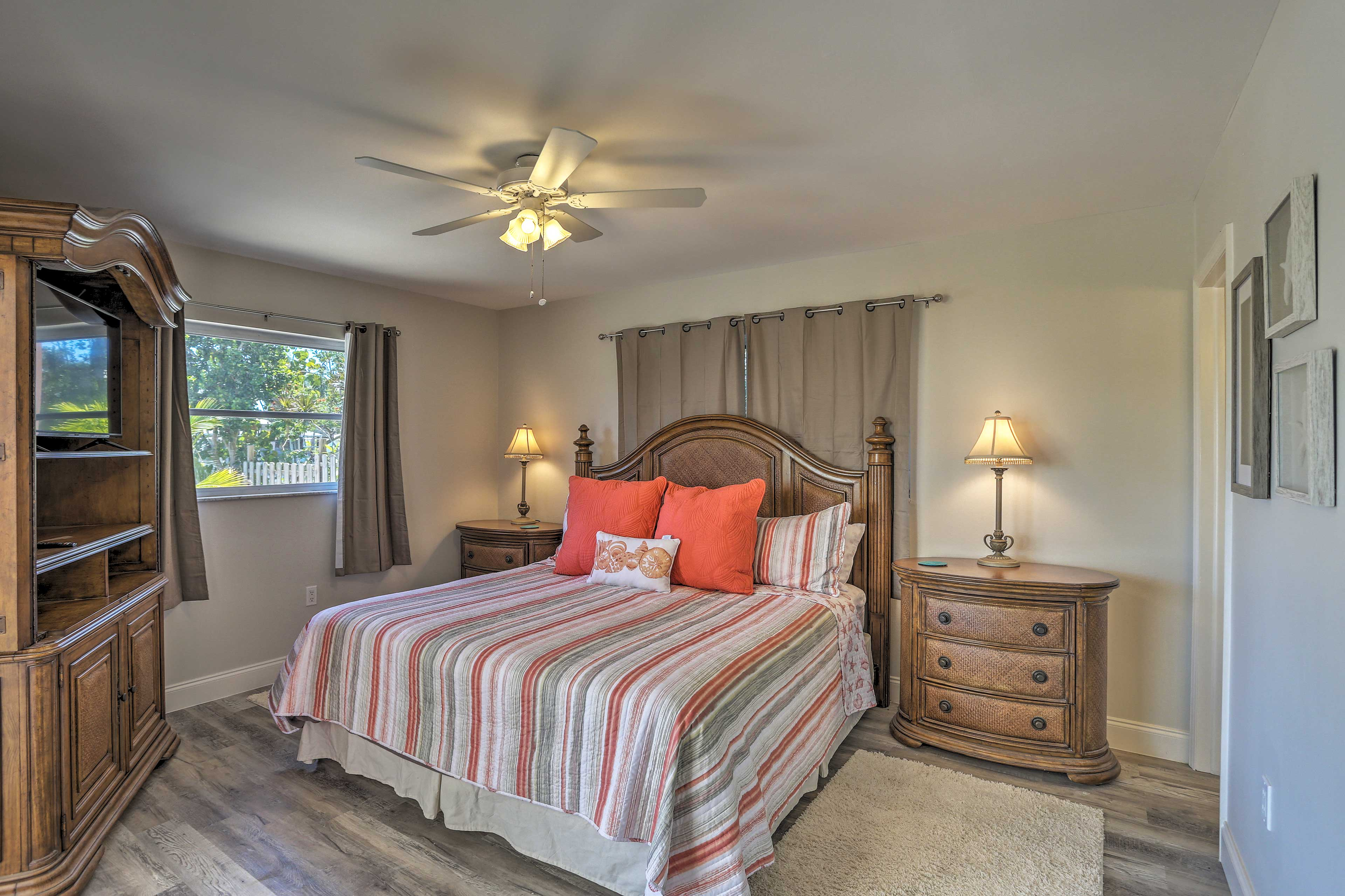 Those staying in this master bedroom will love the king bed.