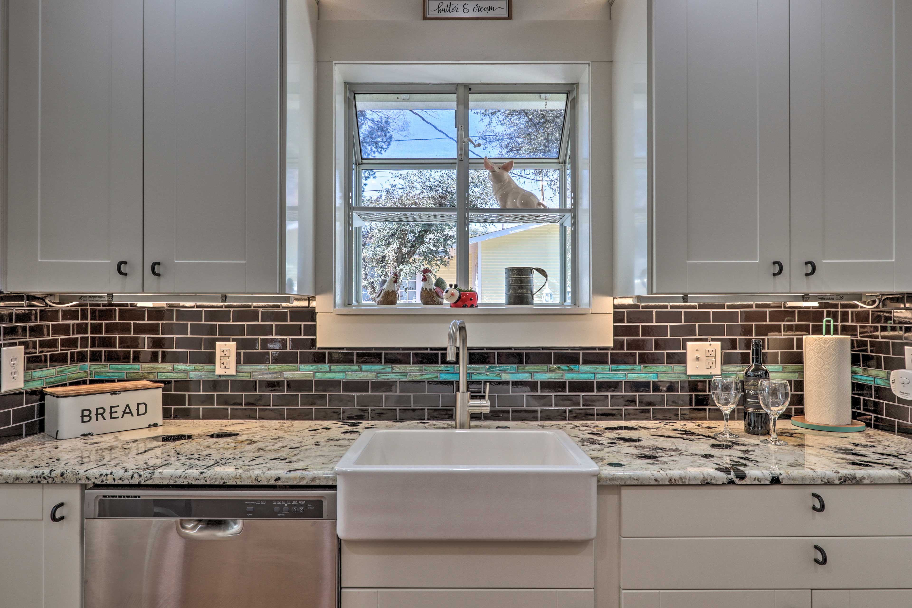 This farmhouse-style sink is a beautiful touch.