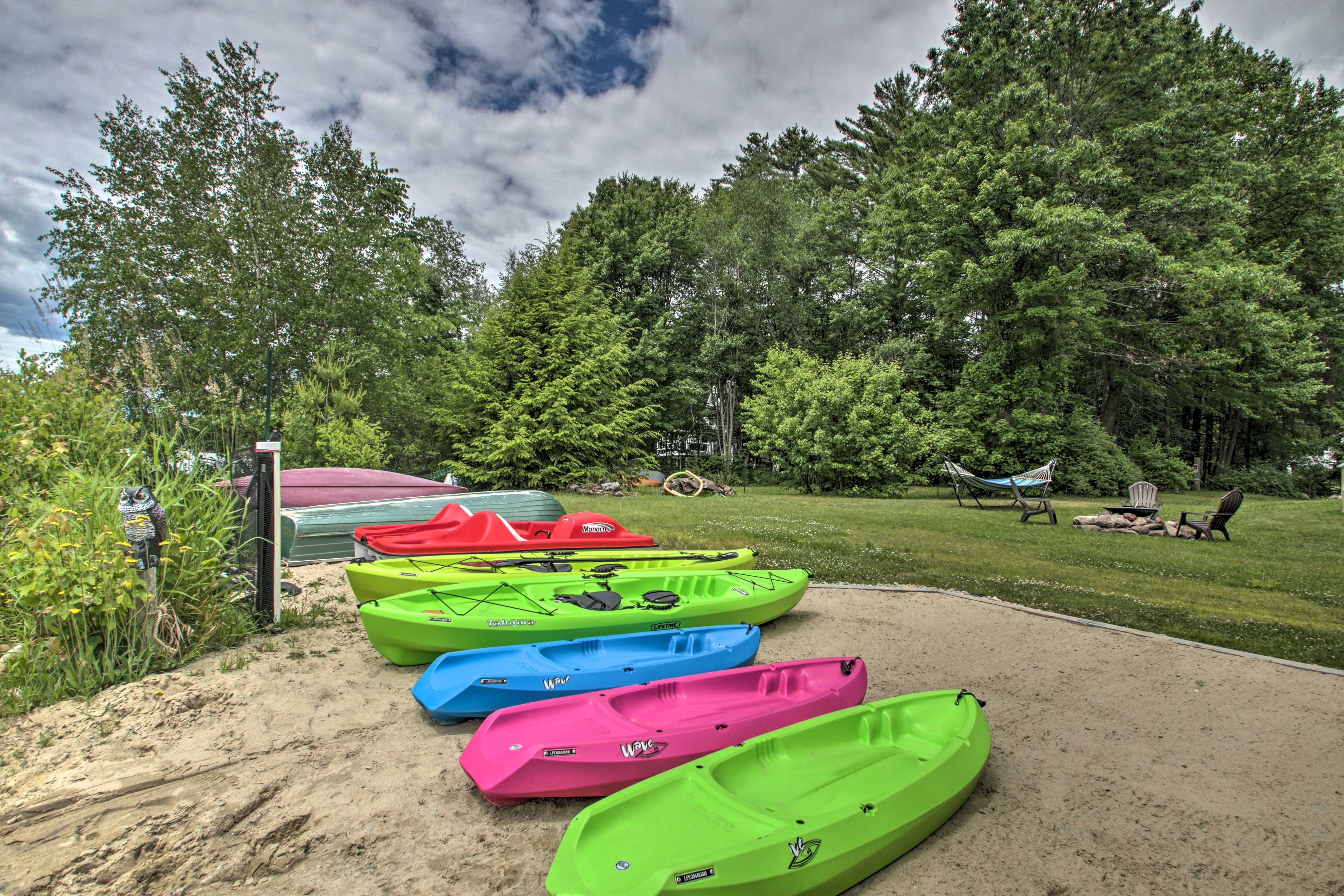 Pick your watercraft and paddle out from the shore!
