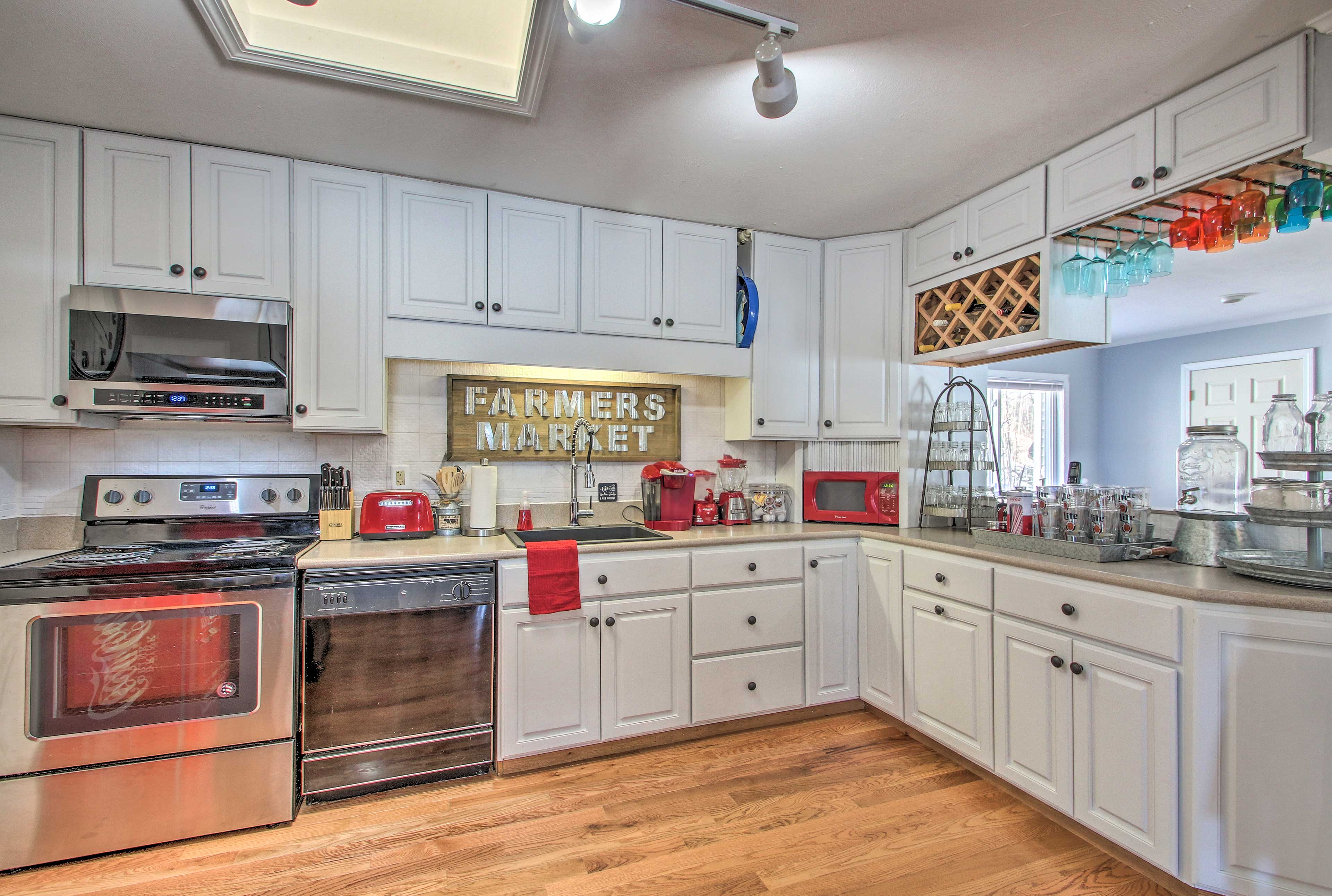 You'll find everything you need for long stays in this kitchen.
