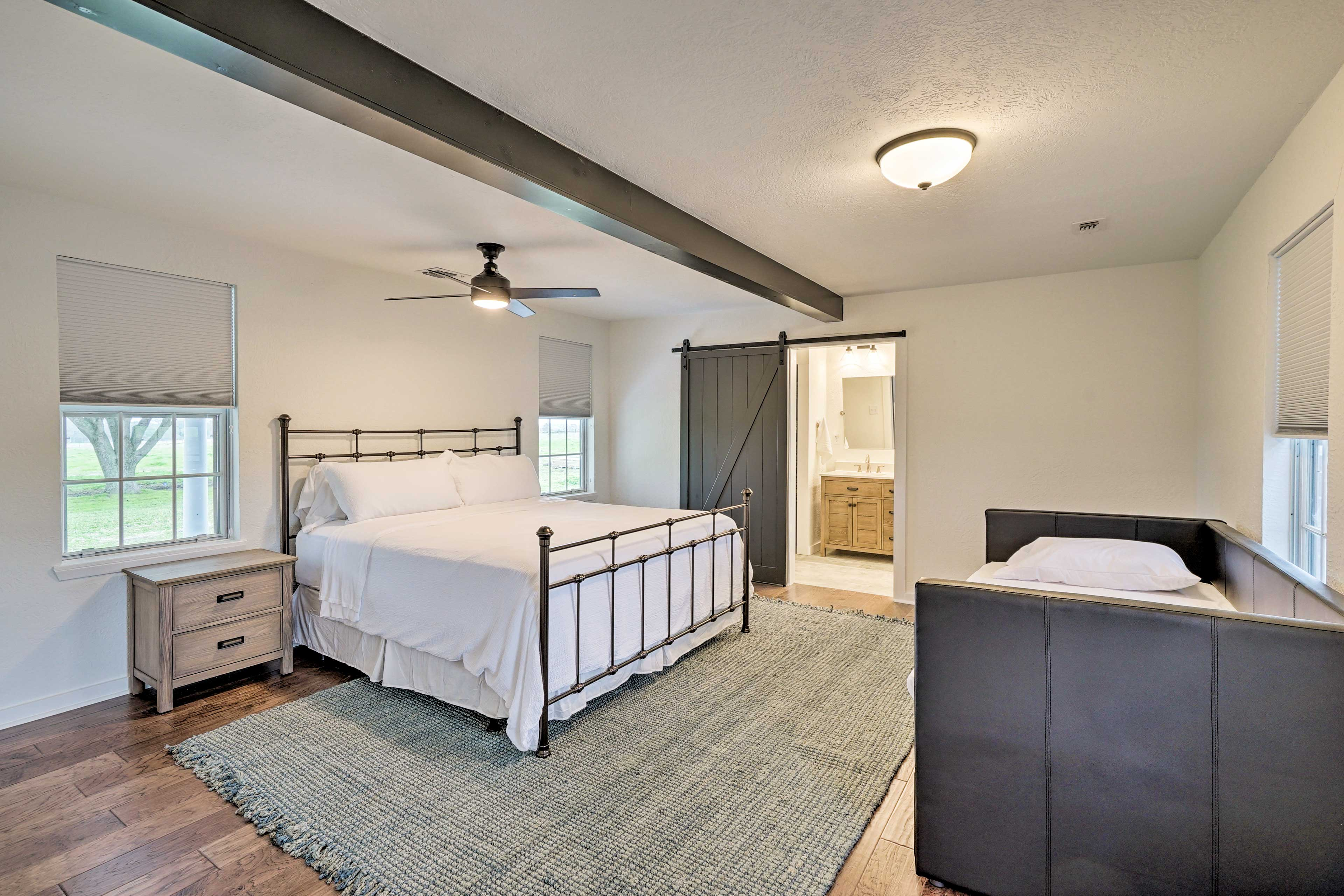 Choose between the king bed, twin daybed, or twin trundle.