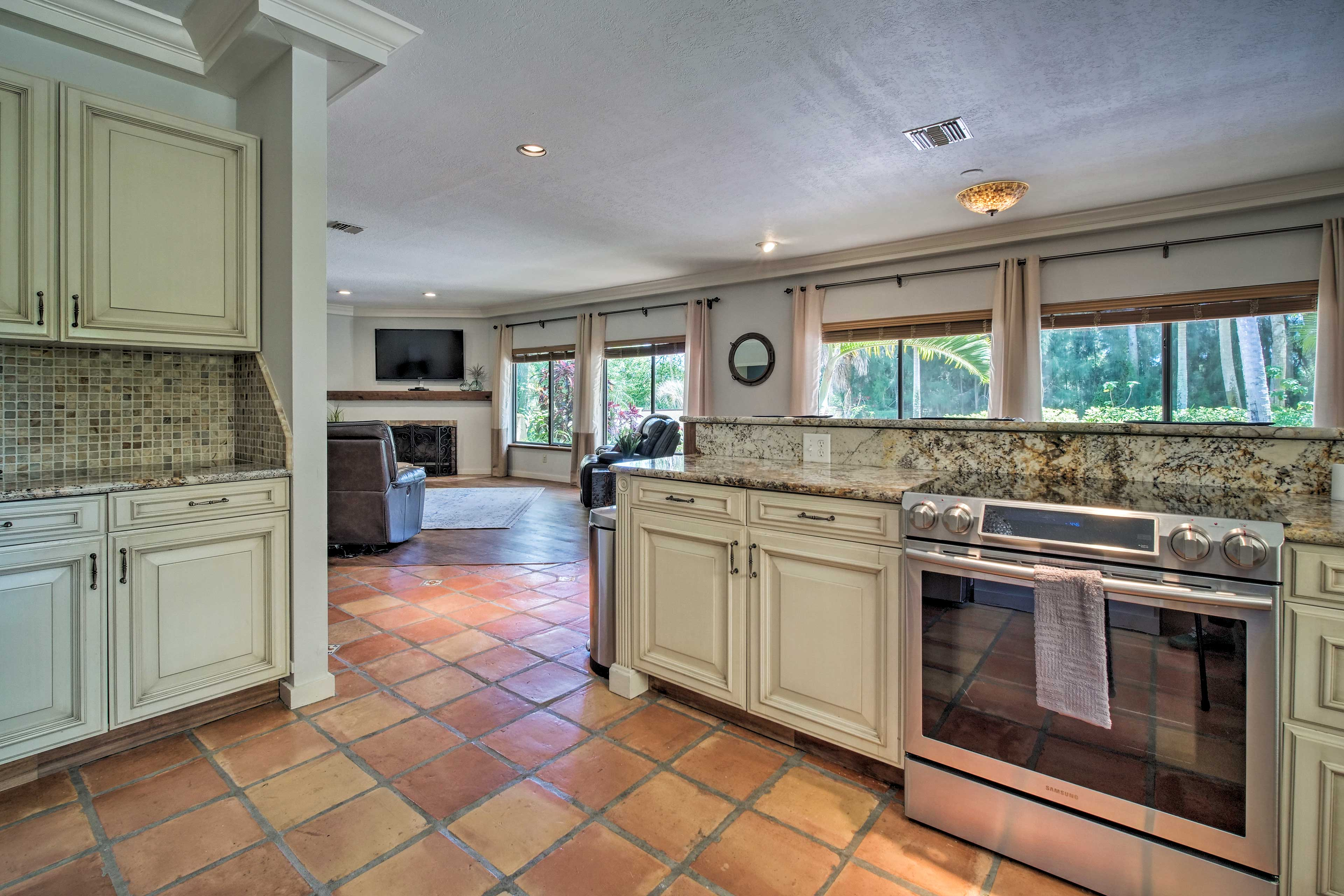 Plenty of counter space for your cooking needs!