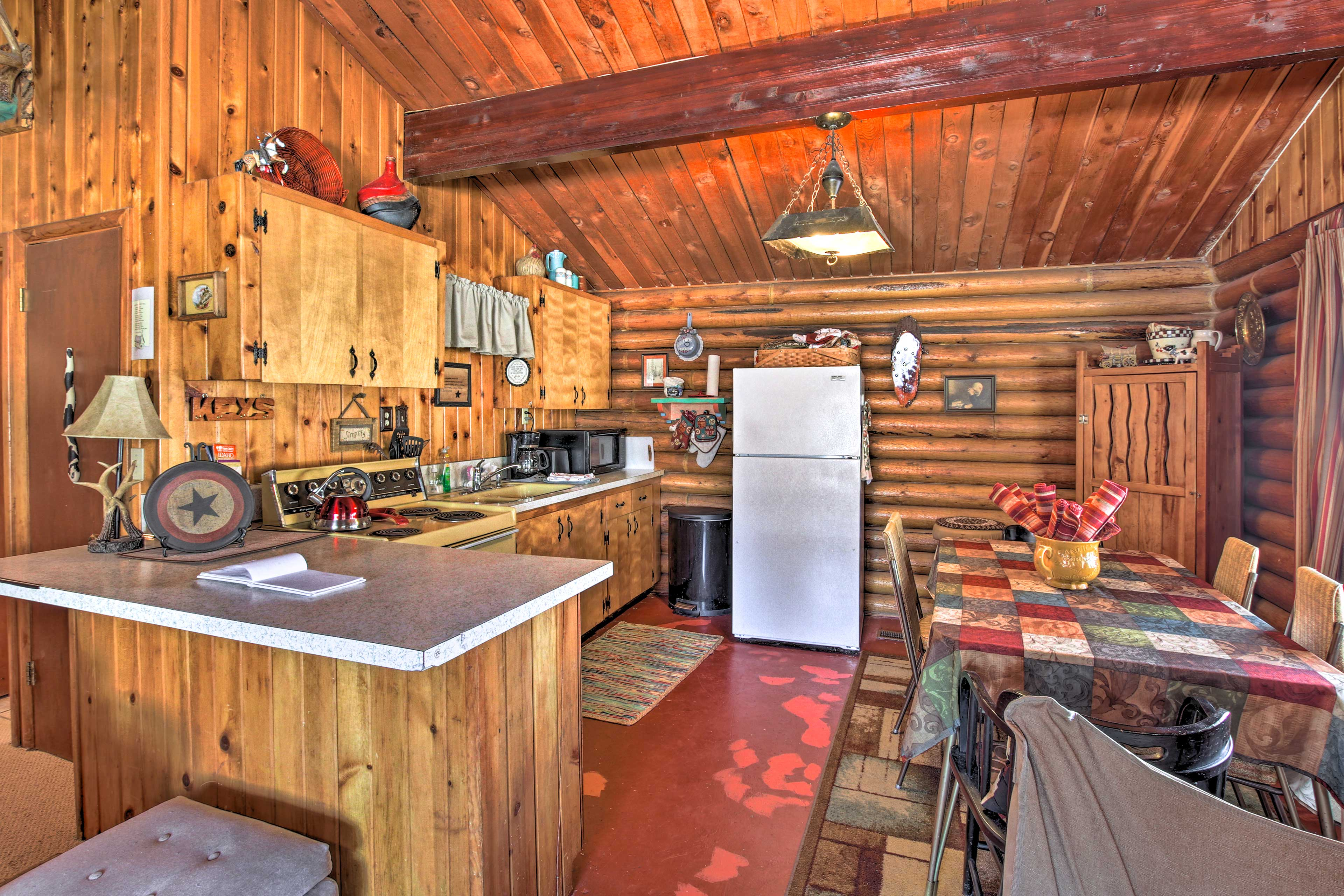 This vacation rental cabin has everything you need!