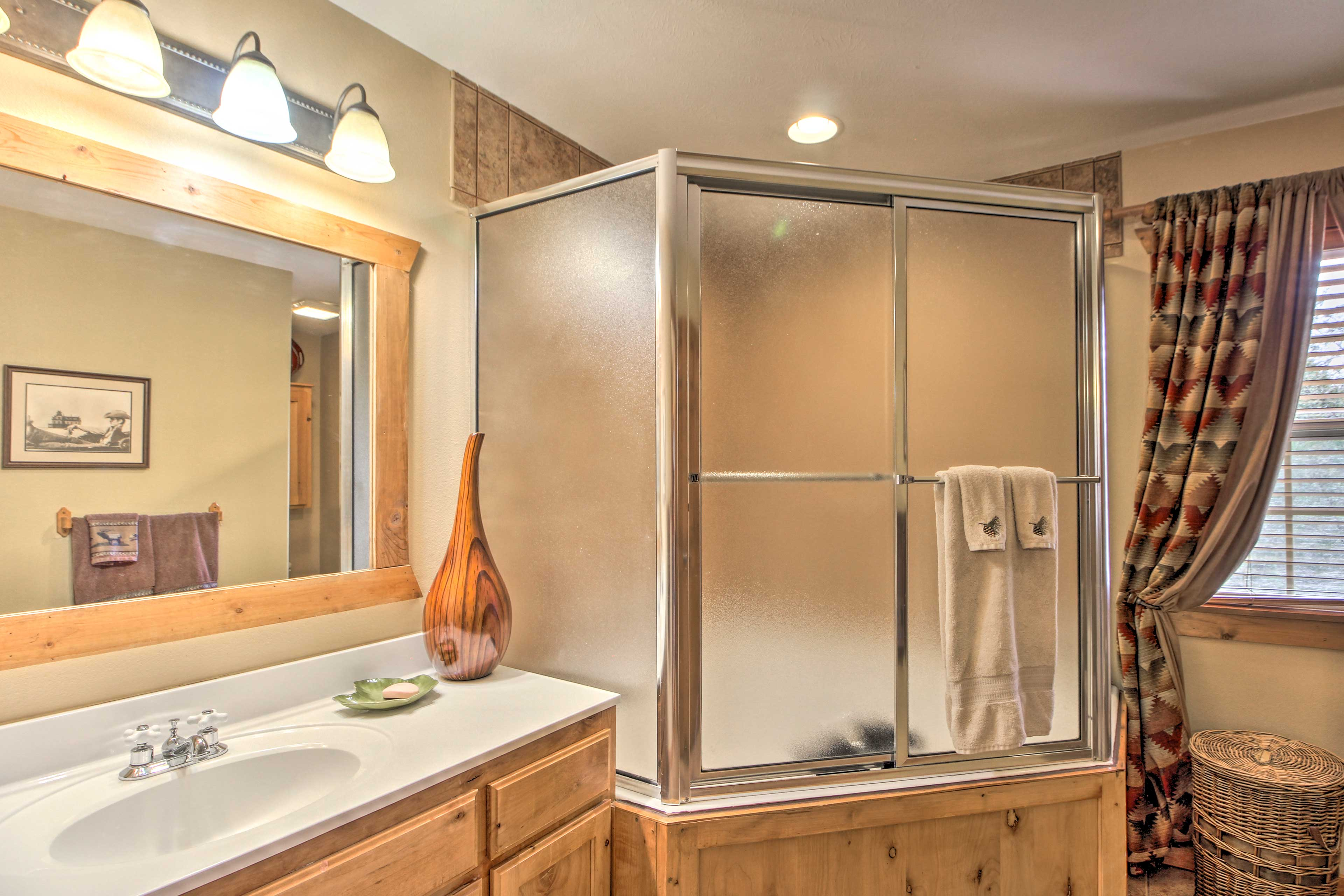 There is a luxurious en-suite bathroom!
