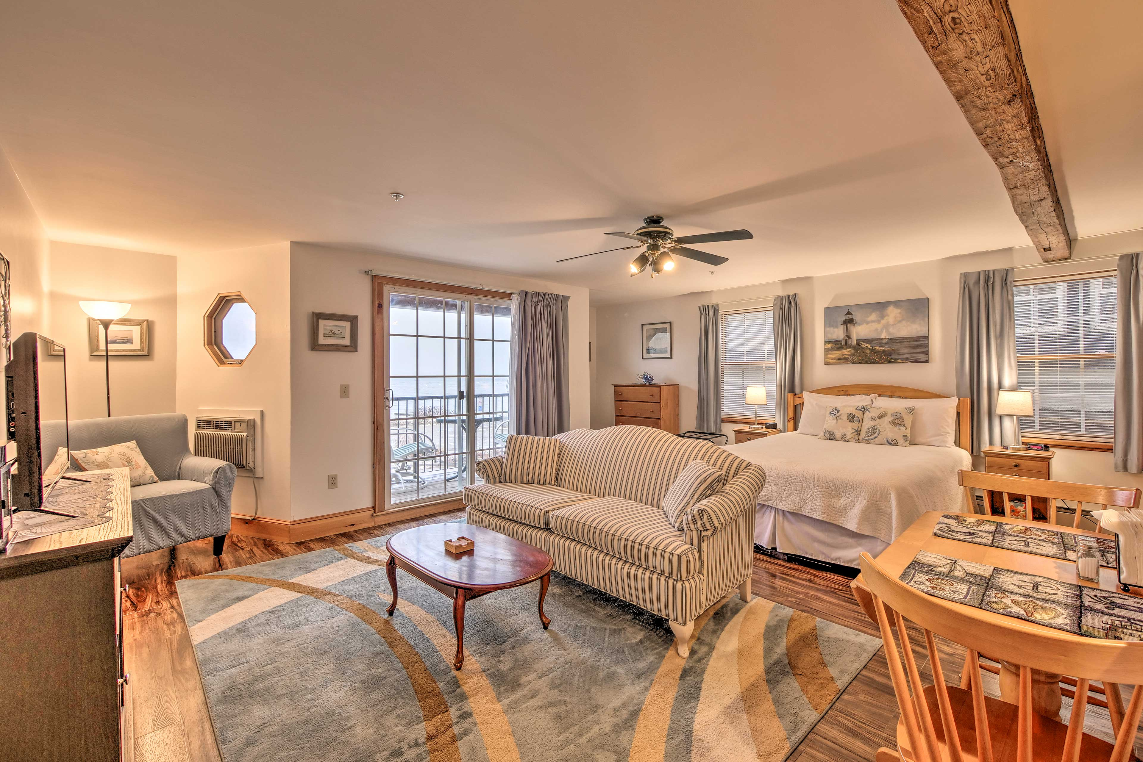 The charming studio has everything you'll need, with 1 queen bed & 1 full bath.