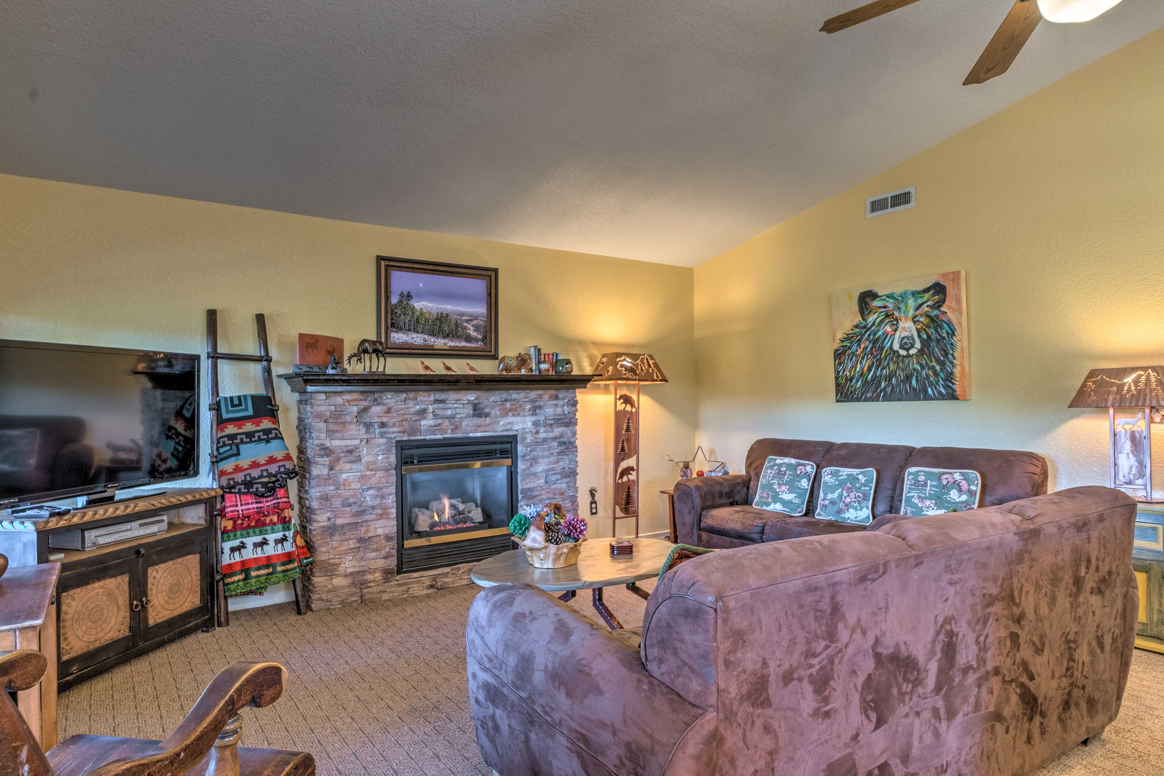 Kick back in front of the gas fireplace for a movie on the cable TV.
