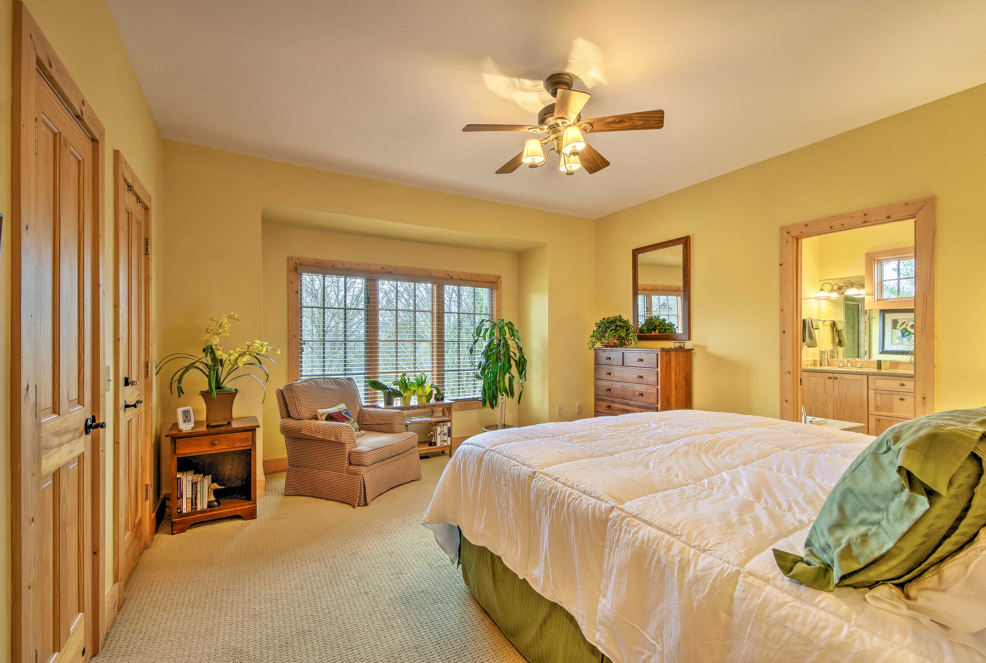 Bedroom 1 | Linens Provided | En-Suite Bathroom